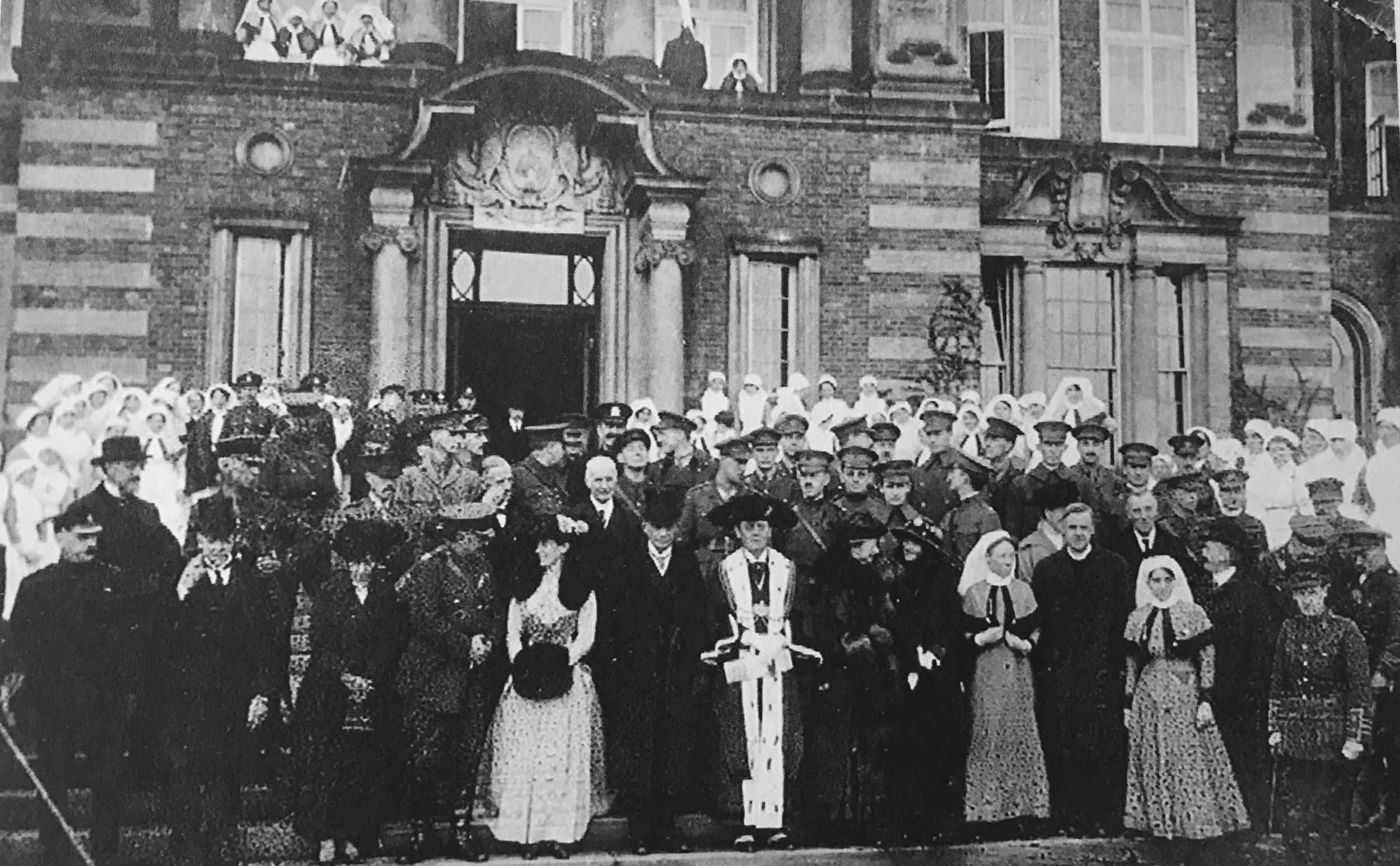 American Ambassador Dr Walter Hines Page visits hospital, 1917