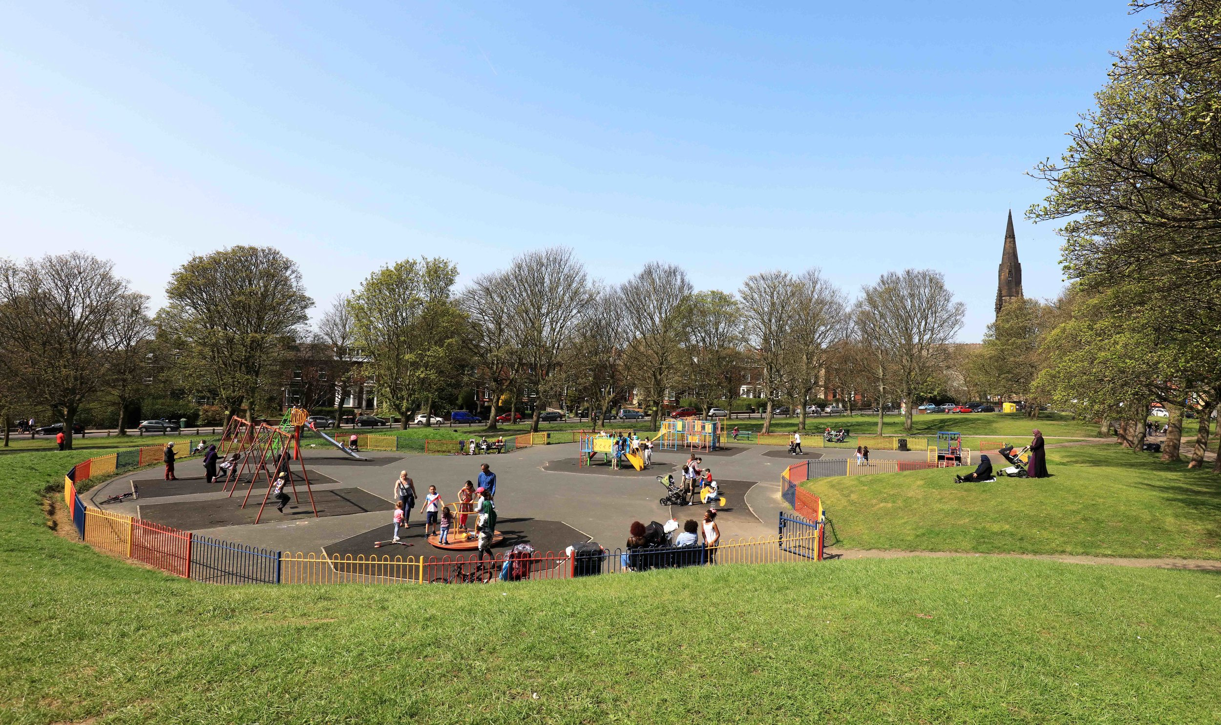 Playground, Woodhouse Moor © JHJ