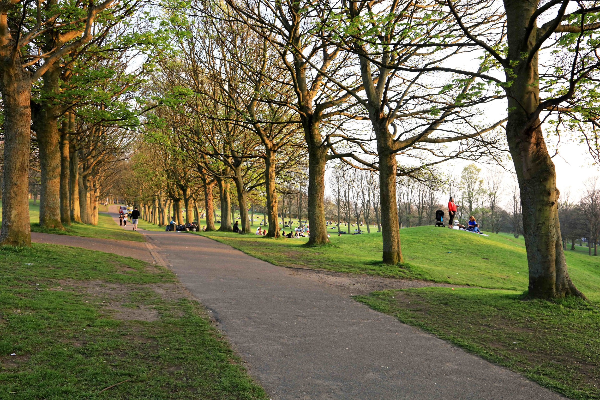 Woodhouse Moor, from Hyde Park Corner © JHJ