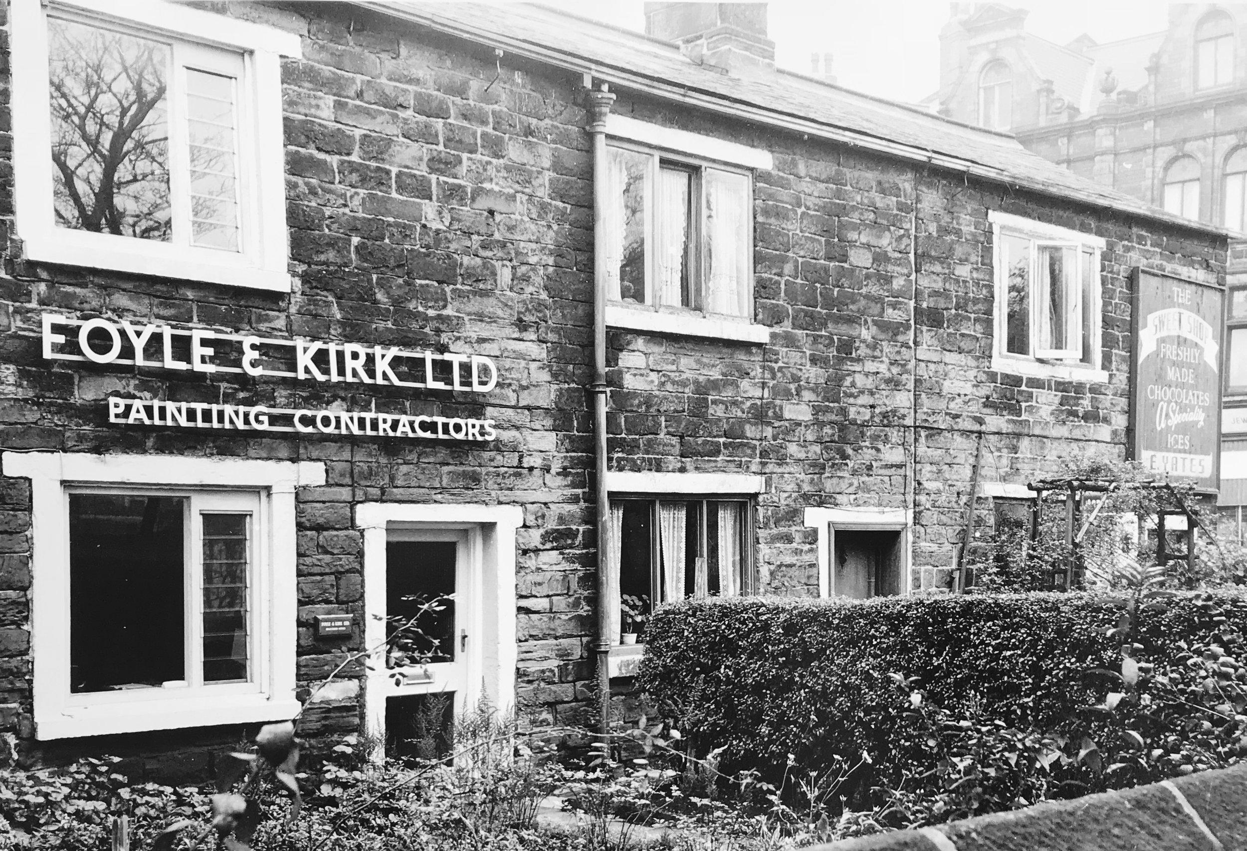 Hyde Park Corner, off Woodhouse Lane, c1960