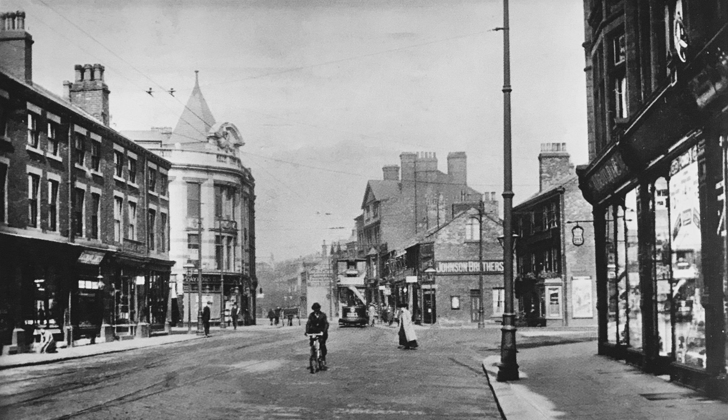 Hyde Park Corner, from Woodhouse Lane, c1910
