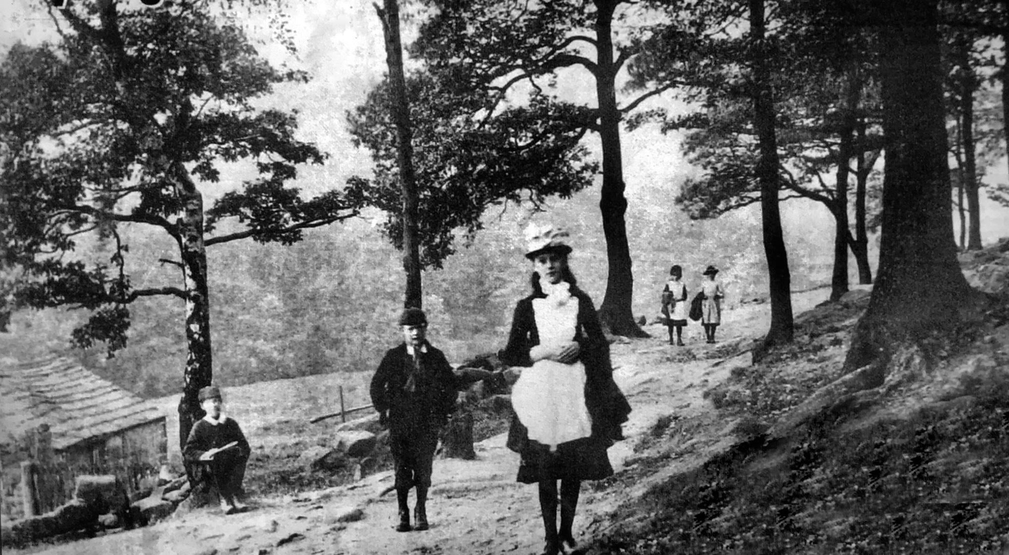 Path past Hustler's Row, 1910
