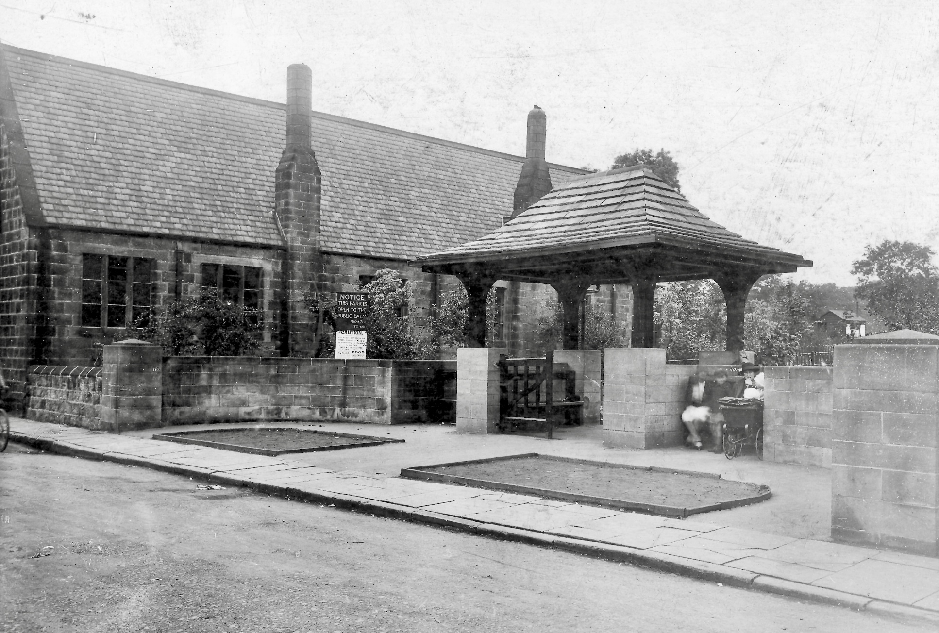 Entrance to Meanwood Park, 1927