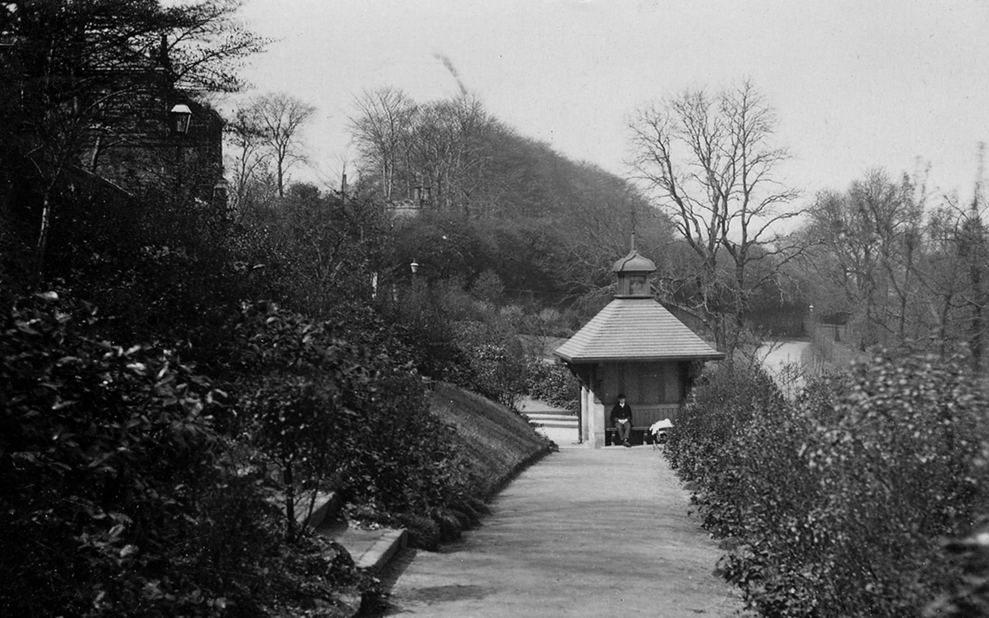 Warburton Memorial Shelter/Chinese Pavilion [demolished], Woodhouse Ridge, circa 1913
