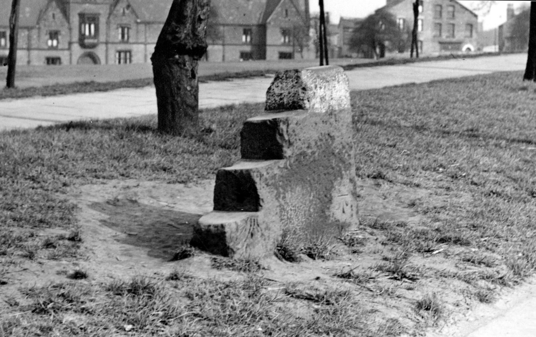 Mounting Block, Woodhouse Lane, on Woodhouse Moor, 1950