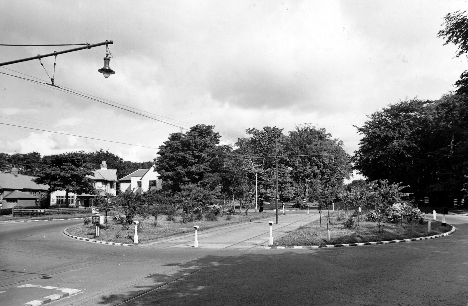 Lawnswood Roundabout, Otley Road, 1945