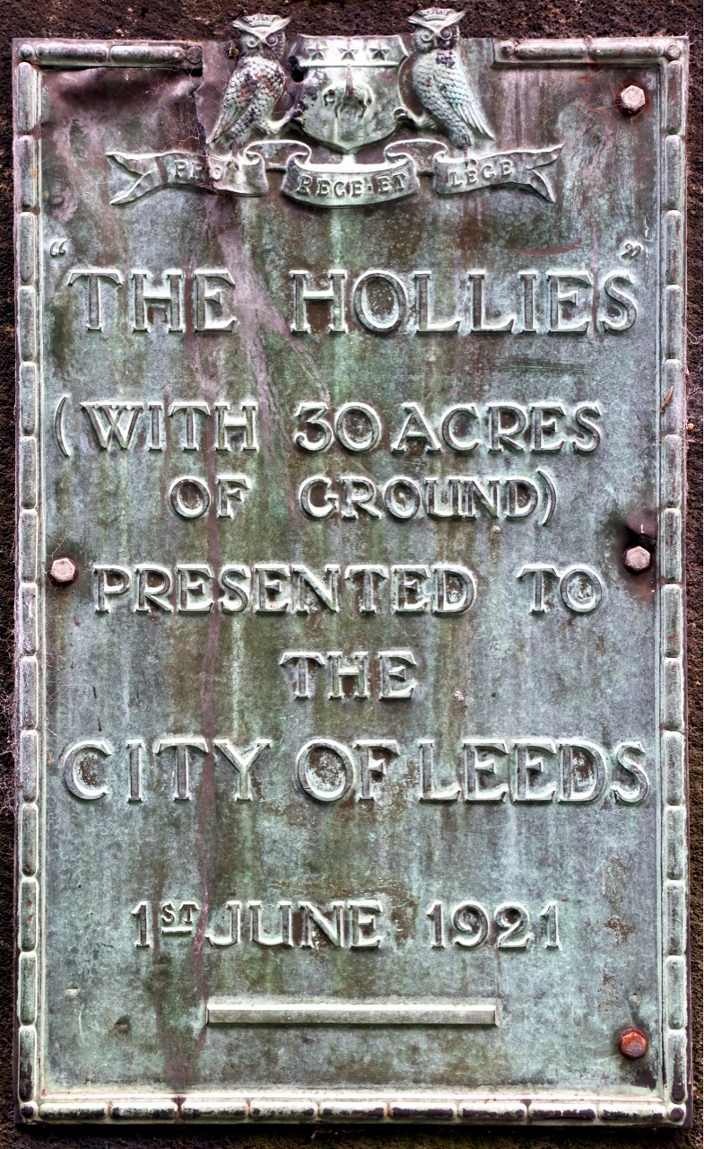 Plaque, entrance to The Hollies © JHJ