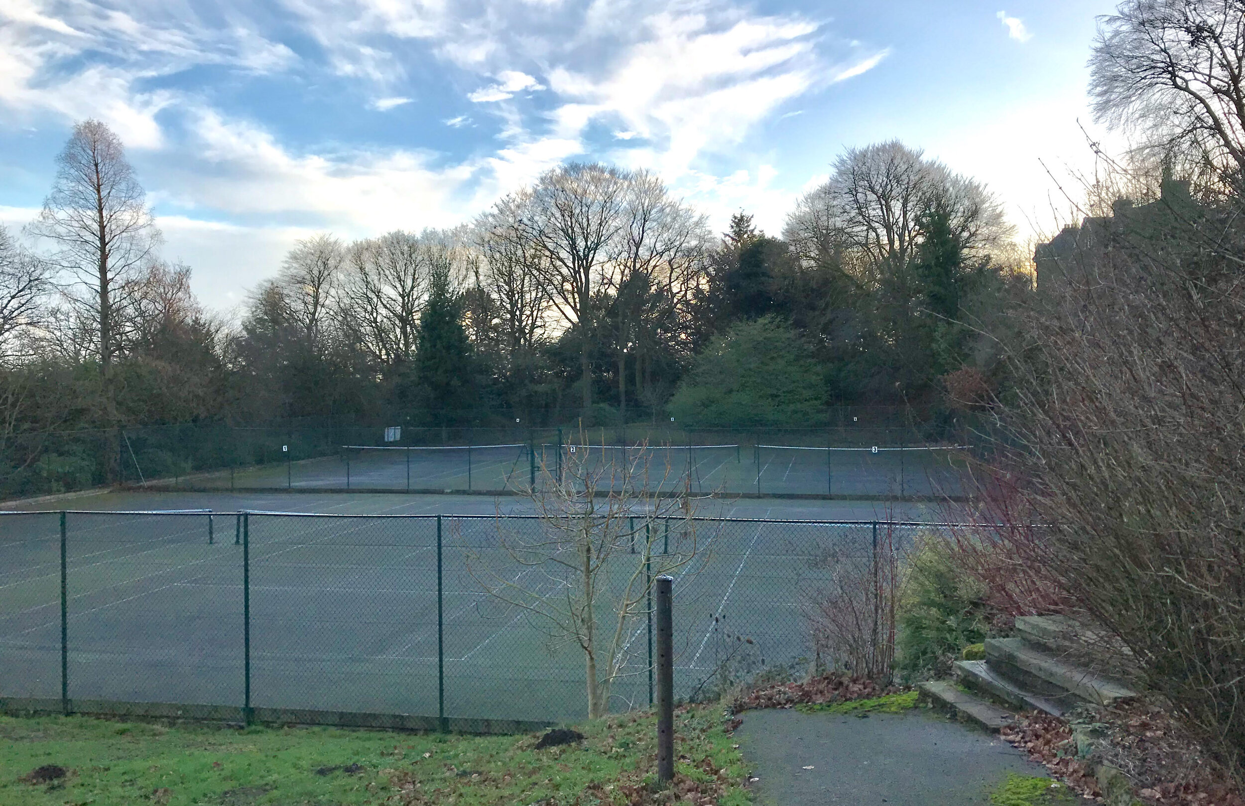 Tennis Courts, The Hollies © HP