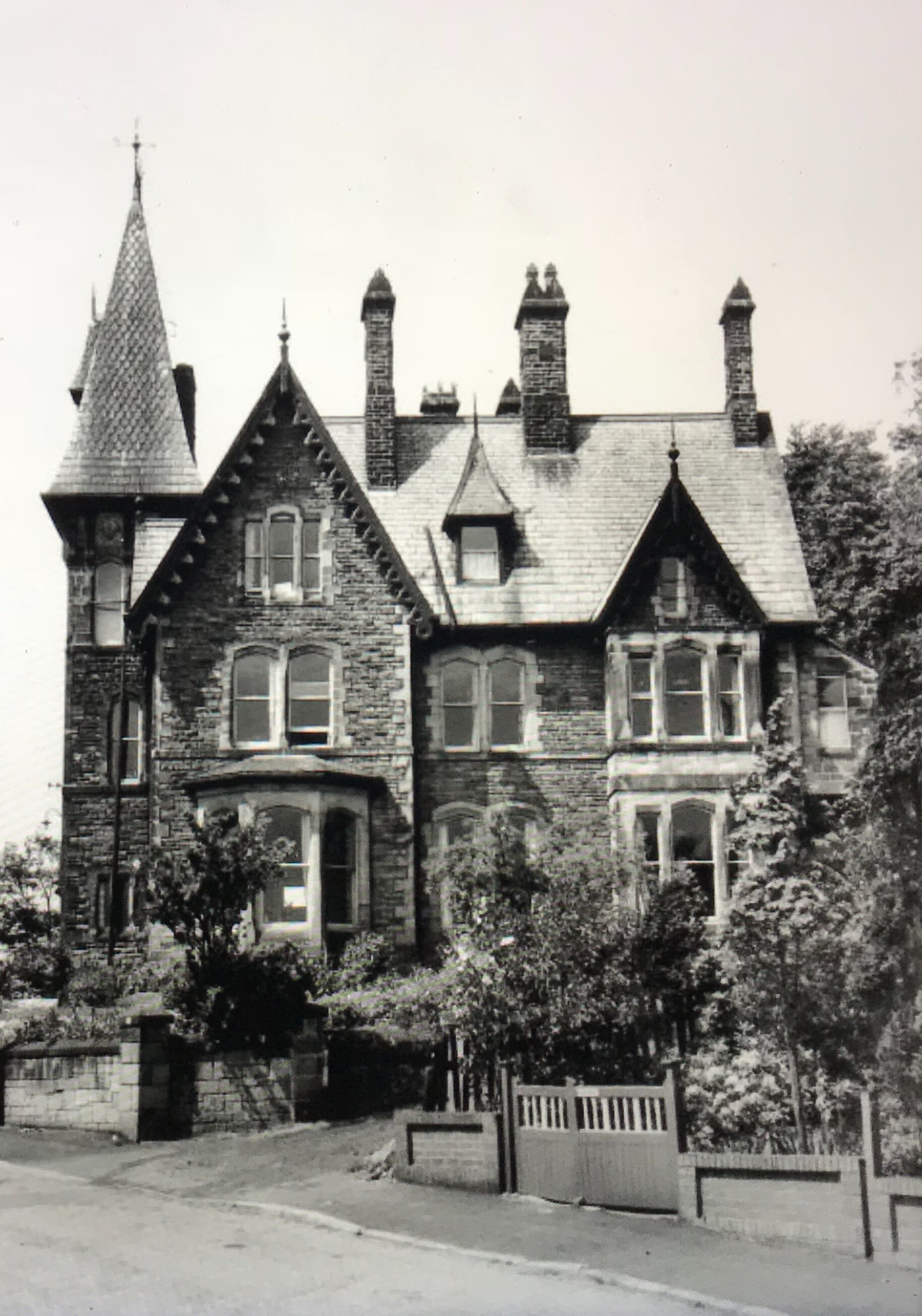 11  Weetwood Manor, formerly Lodge, circa 1960