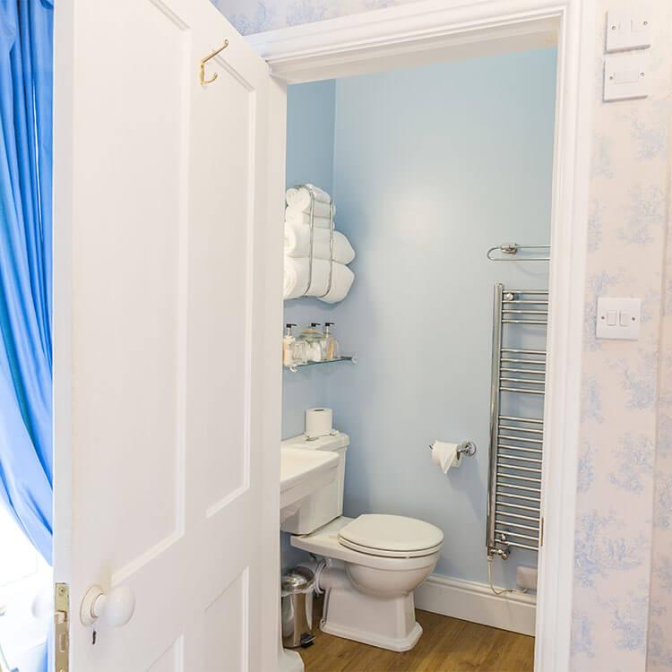 Dunedin-Stay-Blue-Room-3.jpg