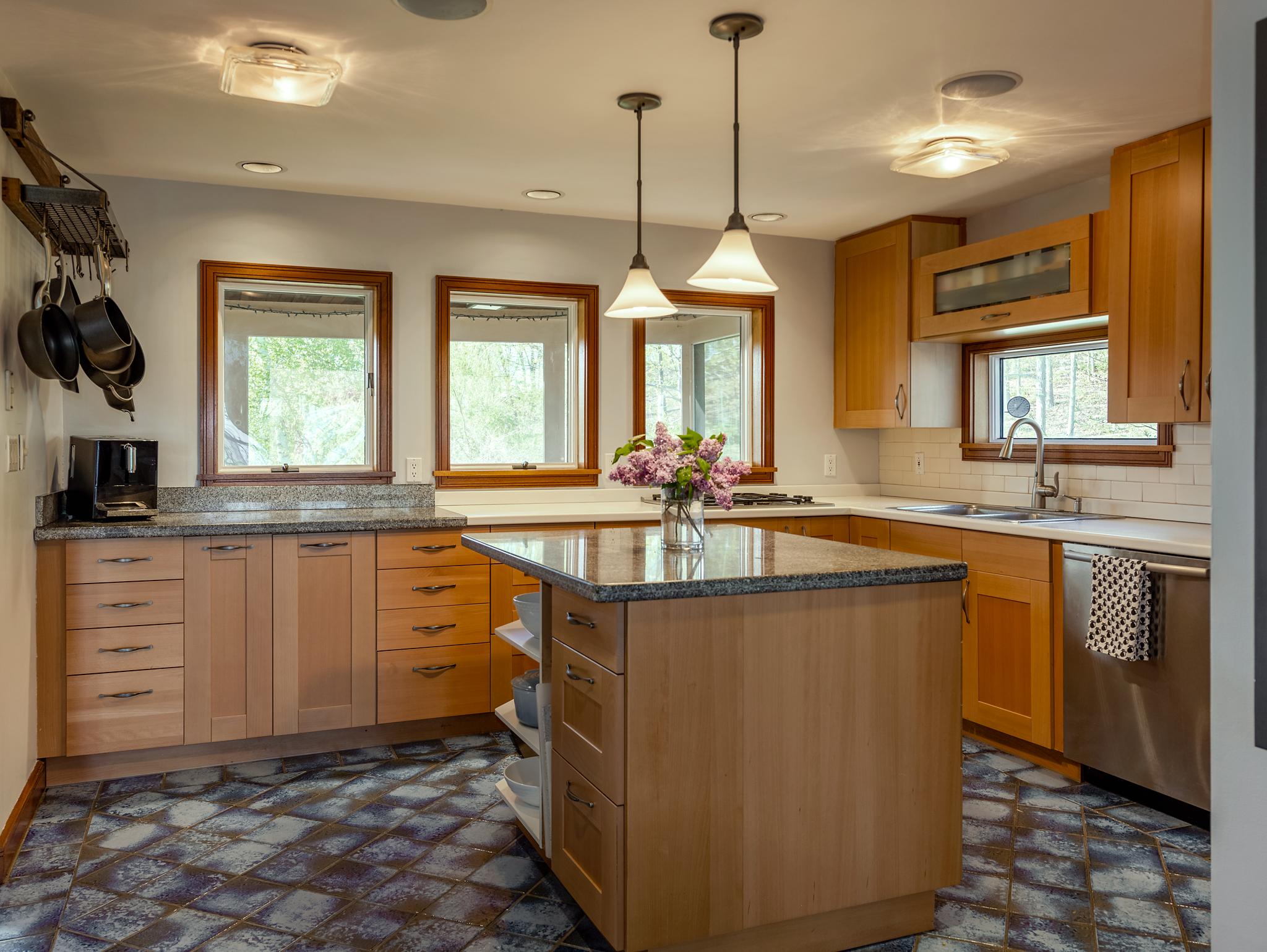 Kitchen2WEB.jpg
