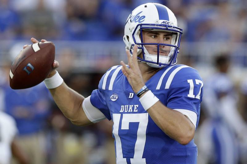 Daniel Jones - SCHOOL: Duke - HEIGHT: 6052WEIGHT: 212 - ARM: 32 1/4HAND: 9 3/4 - WINGSPAN: 78 1/440 Yd Dash: n/a - Bench: n/a - Vert: n/a - Broad: n/a - 3 Cone: n/a - 20 Yd Shuttle: n/aGRADE- 6.76 - 2019 Rank: #44