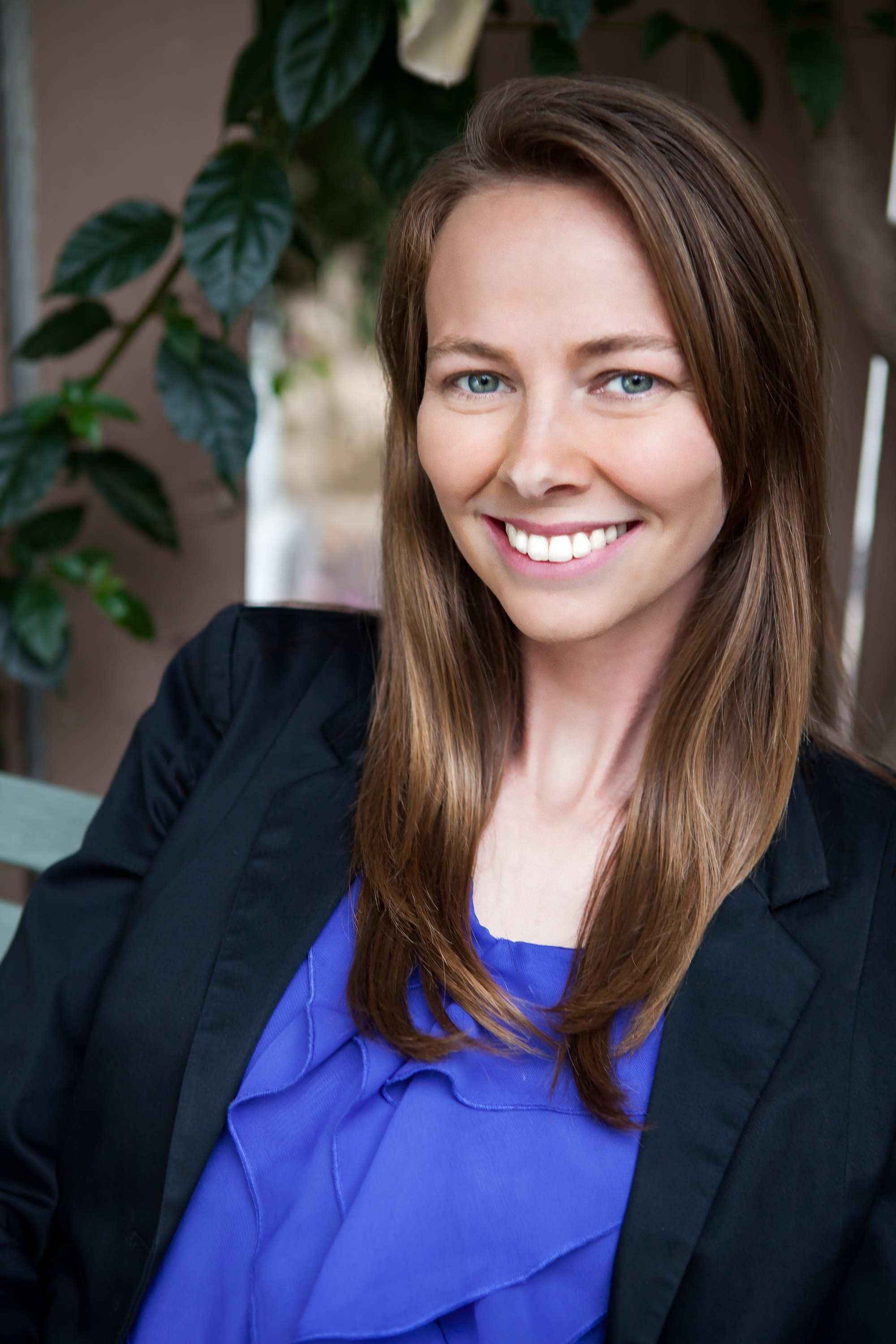 Anna Lenhart, University of Michigan, Ford School of Public Policy   @AnnaCLenhart   As a recent graduate of the Gerald R. Ford School of Public Policy, Anna Lenhart studies the rise of automation and the future of work. She came to this subject after nine years working in both the nonprofit sector and as a technology consultant. She started her career as an AmeriCorps VISTA at Shakti Rising, a women's empowerment organization. In 2013, she founded the Next Generation of Service, an alternative career center for young people interested in Service Year opportunities (now a project of the Service Year Alliance).