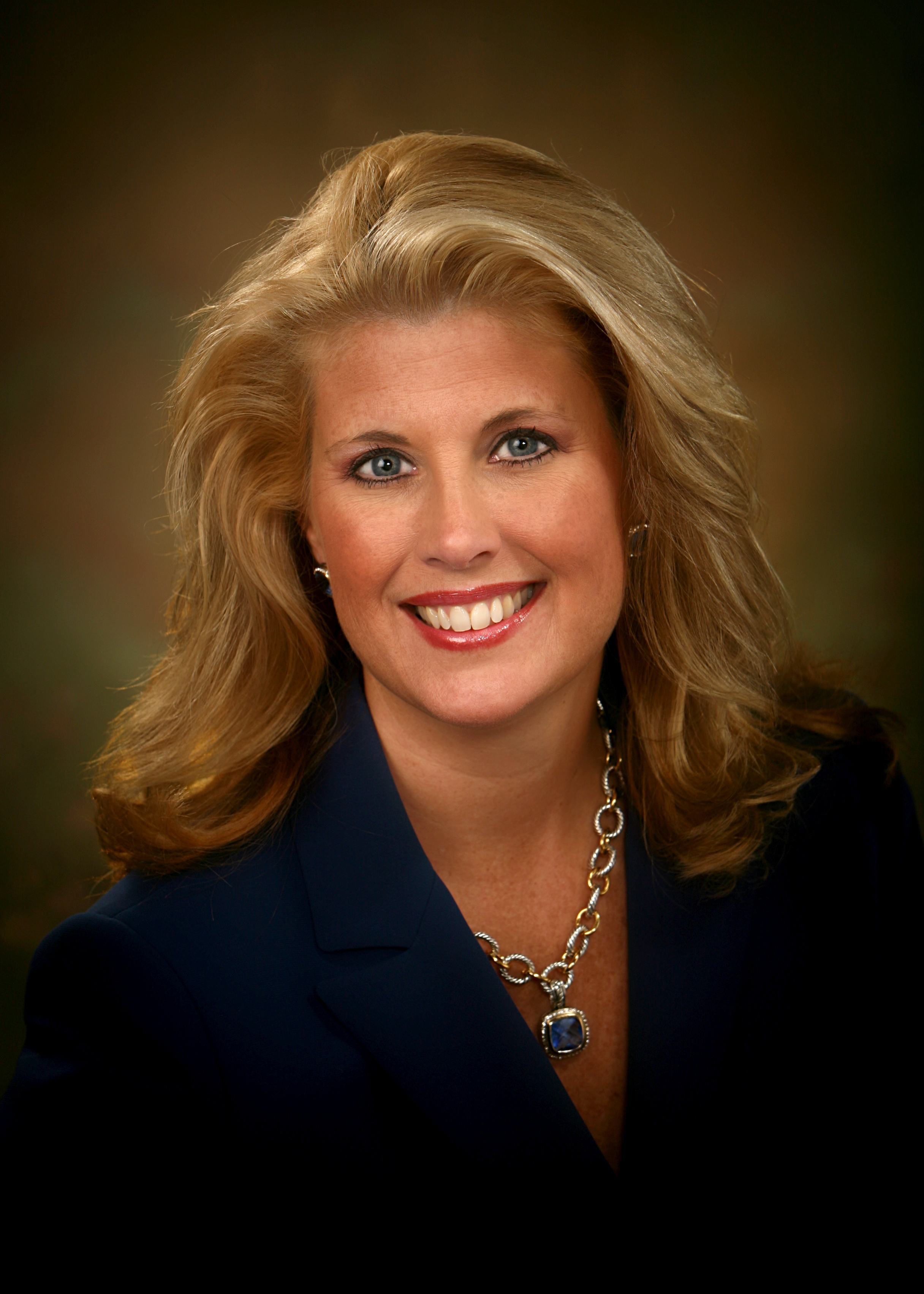 Dawn Busick-Drinkard,  Missouri Community College Association    @wdprof   Dawn Busick-Drinkard serves as the Missouri Community College Association statewide grants director for three rounds of Missouri's consortium TAACCCT Grants. Prior she has served in positions such as the Executive Director of Ozarks Technical Community College, Center for Workforce Development, and as the State of Missouri's Public Workforce System Executive Director.