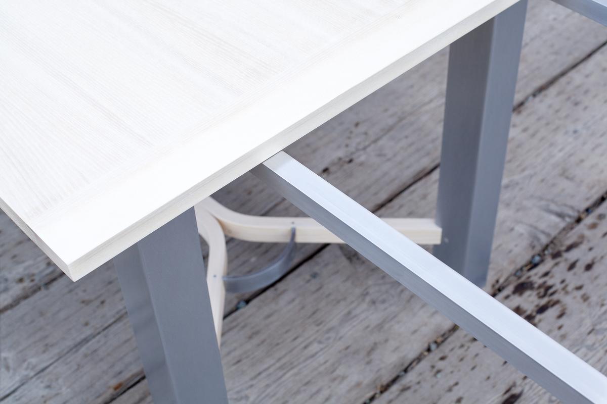 Aluminum sliders on HR Table