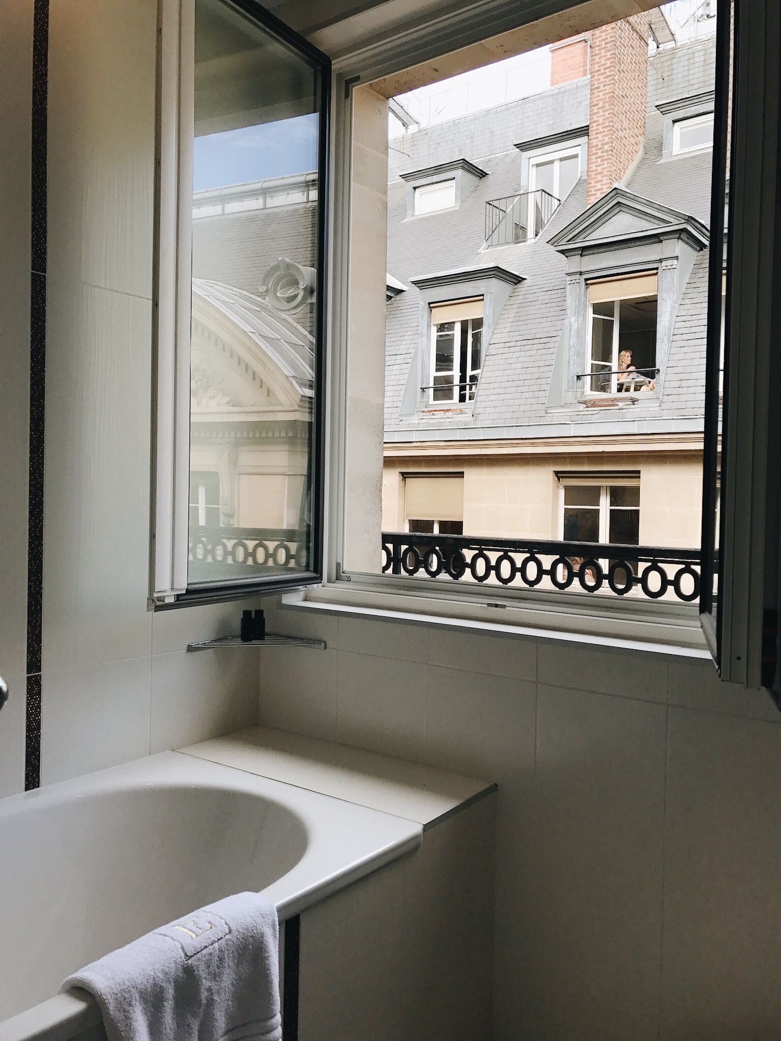 Hotel Edouard 7 Bathroom