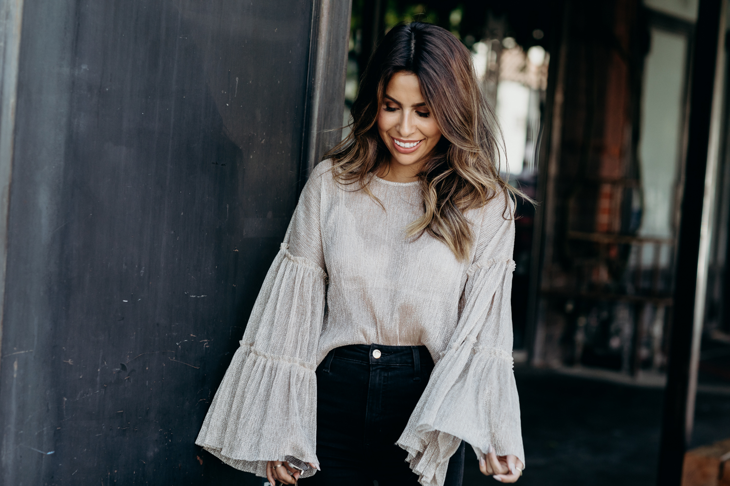 hot to wear the big sleeve top trend ft. Everyday Pursuits