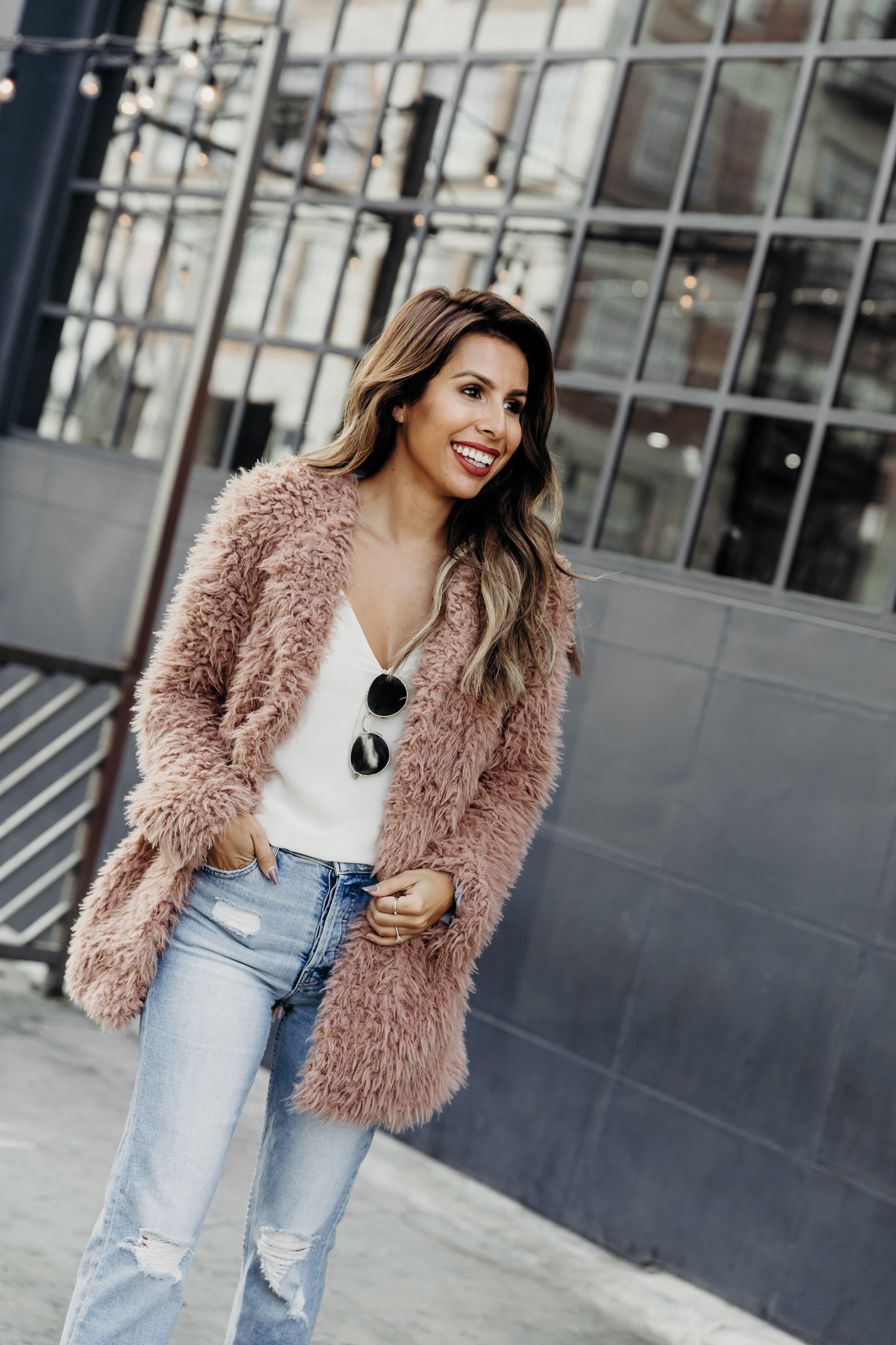 casual holiday look, LA chic holiday outfit ideas