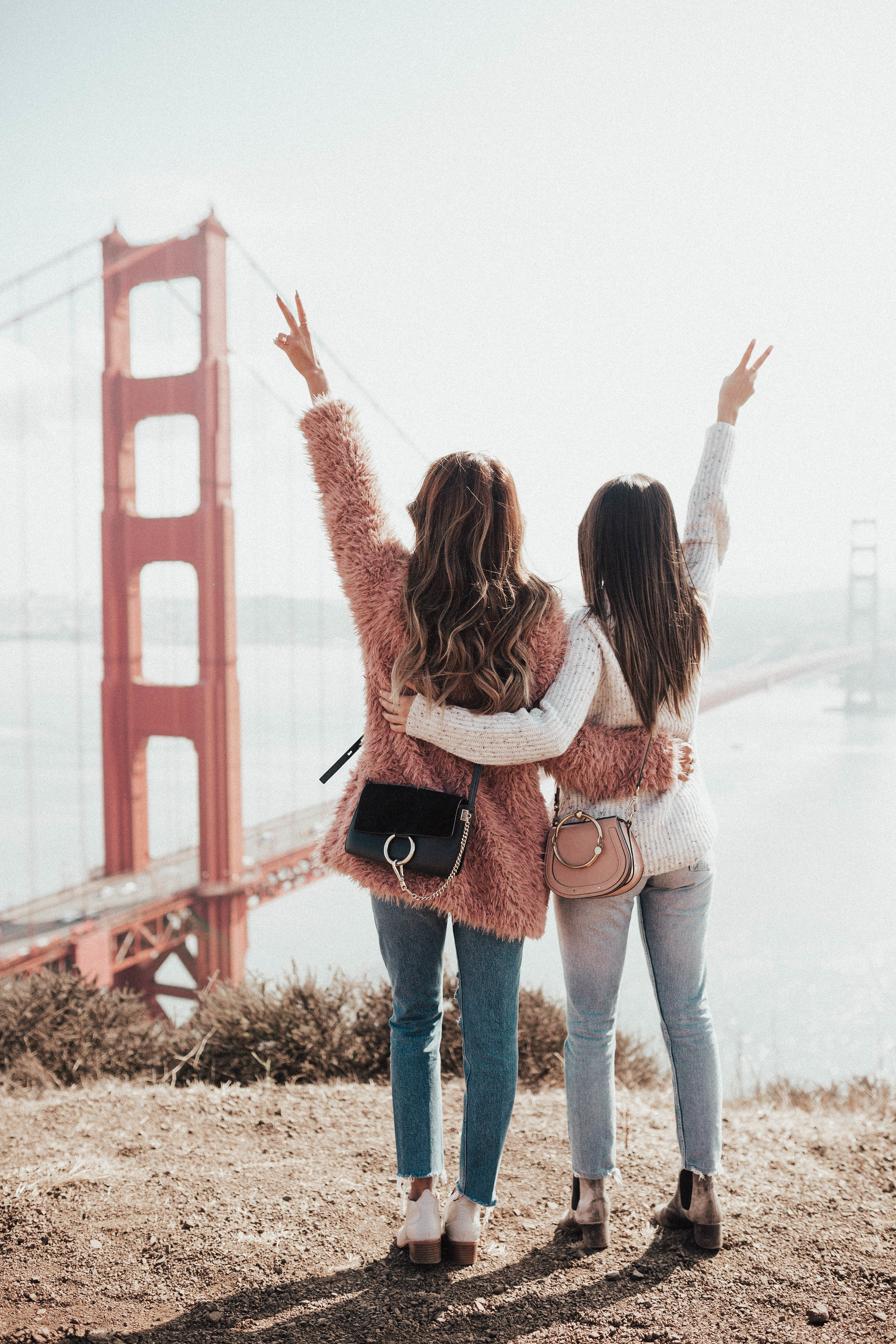 Golden Gate Bridge Photo, san francisco vibes, fuzzy jacket outfit, how to style fuzzy jackets jeans and booties