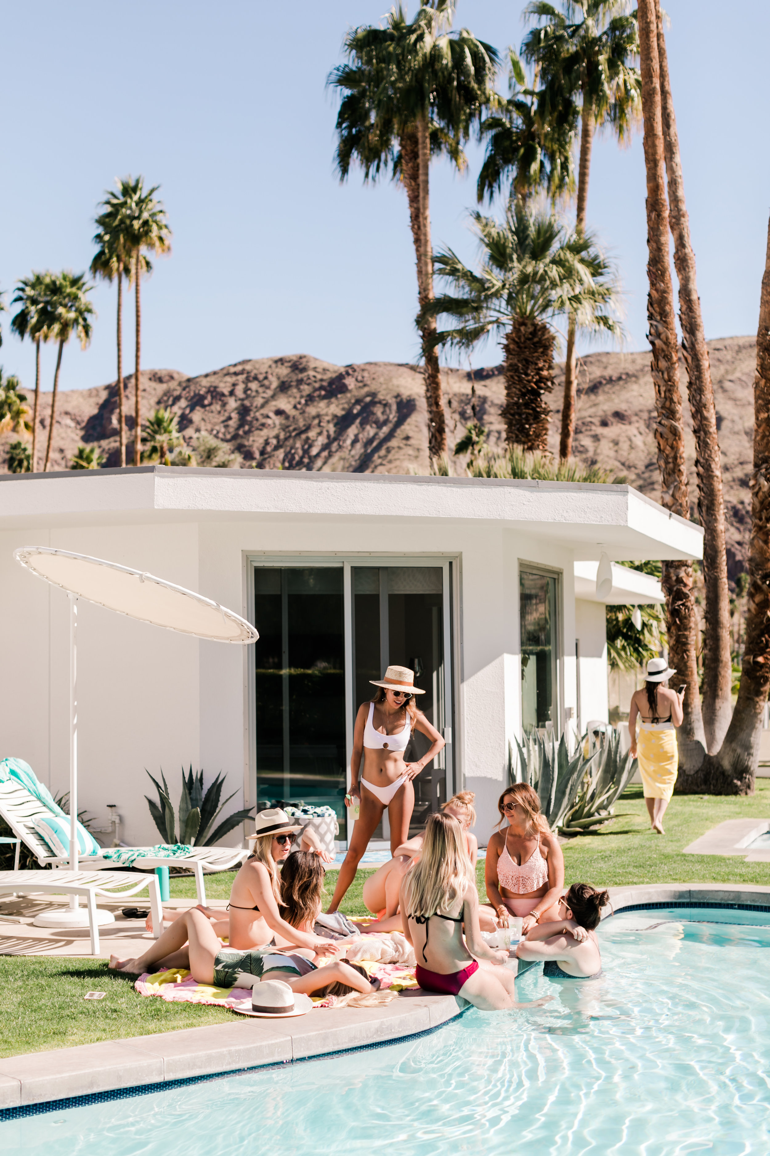 Palm Springs Poolside - Airbnb Bachelorette Party