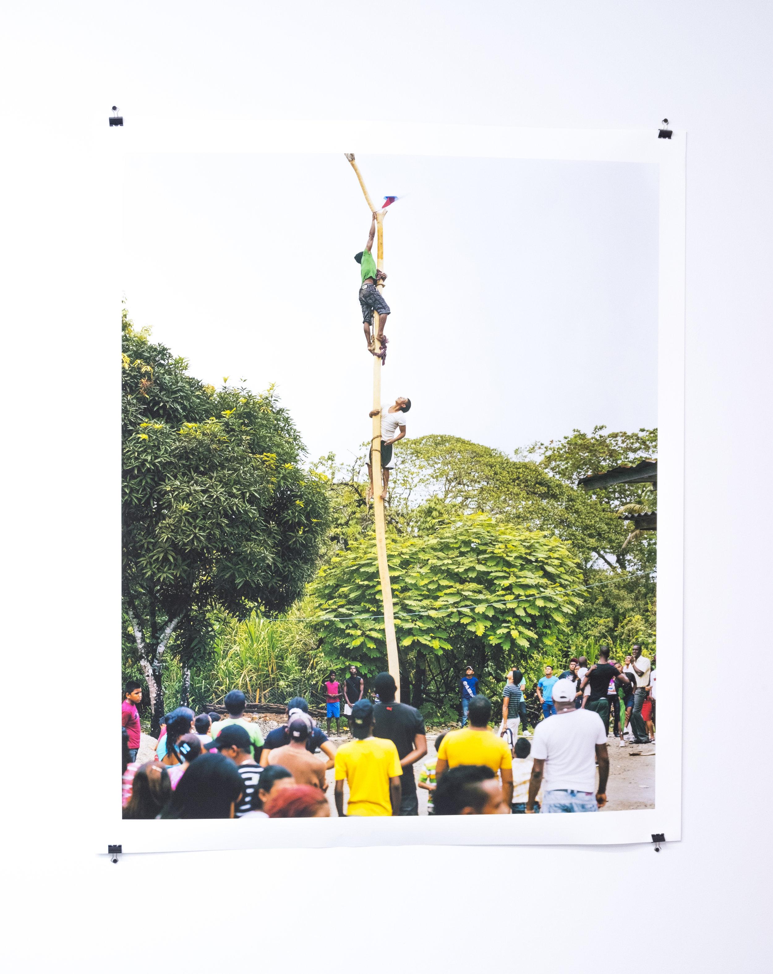 Palo encebao' Maria Chiquita, 2016 / Inkjet print on enhance paper / 54 3/10 x 44 9/10 in