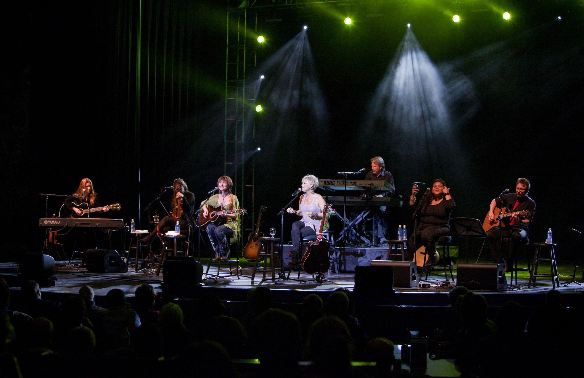 Pam Tillis, Lorrie Morgan, Mark & Band