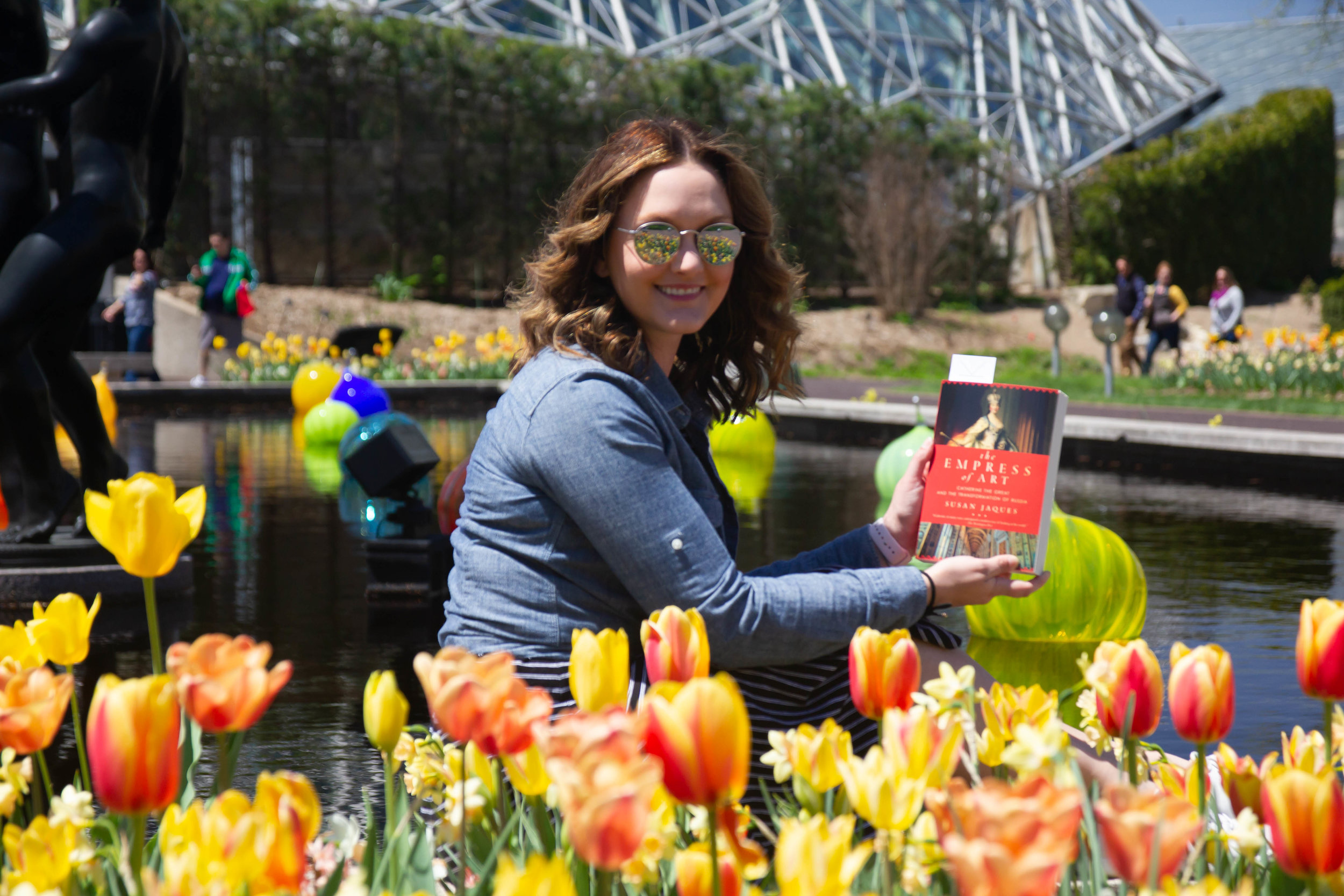 Reading The Empress of Art by Susan Jaques at the Missouri Botanical Gardens