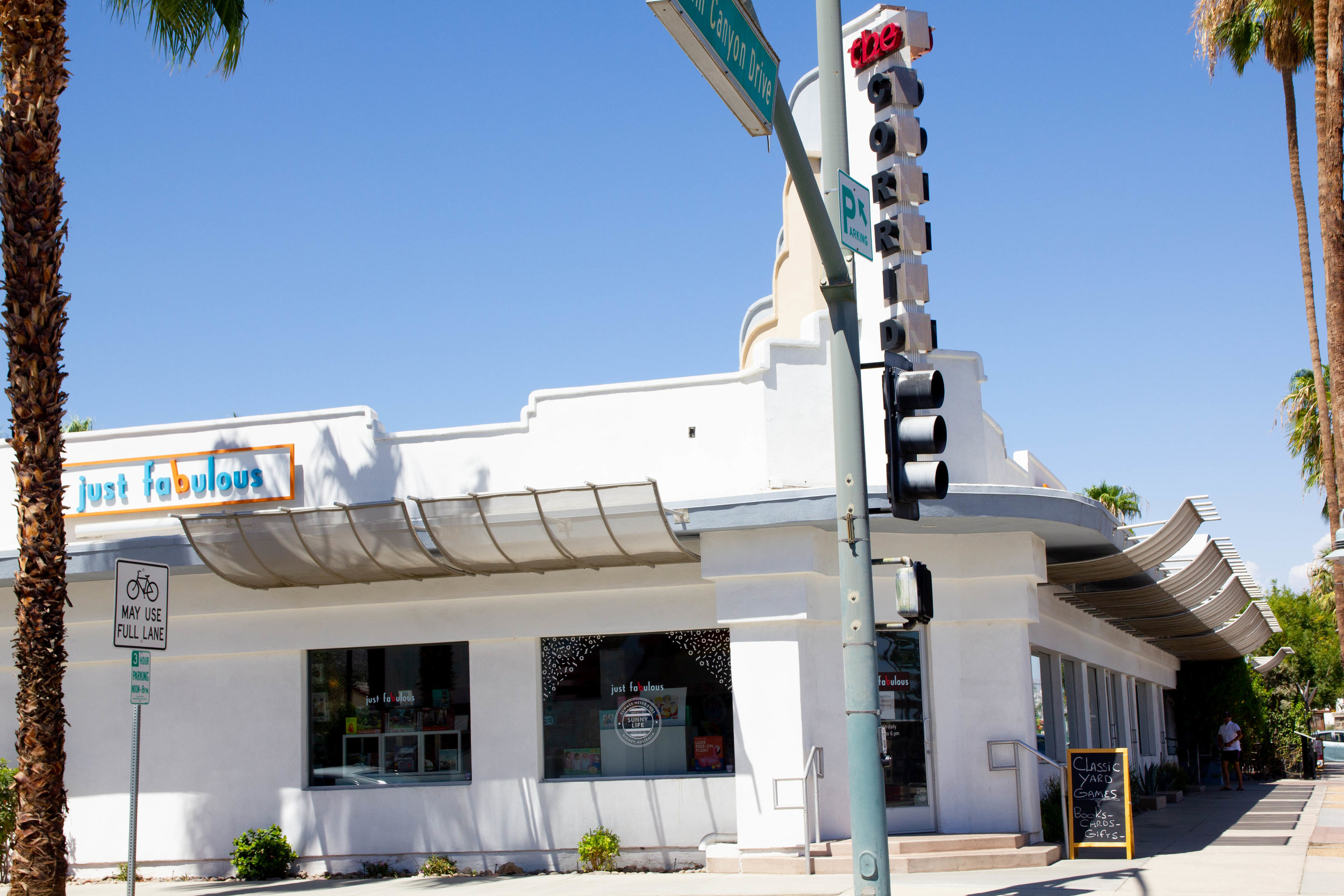 Literary Travel Guide: Palm Springs
