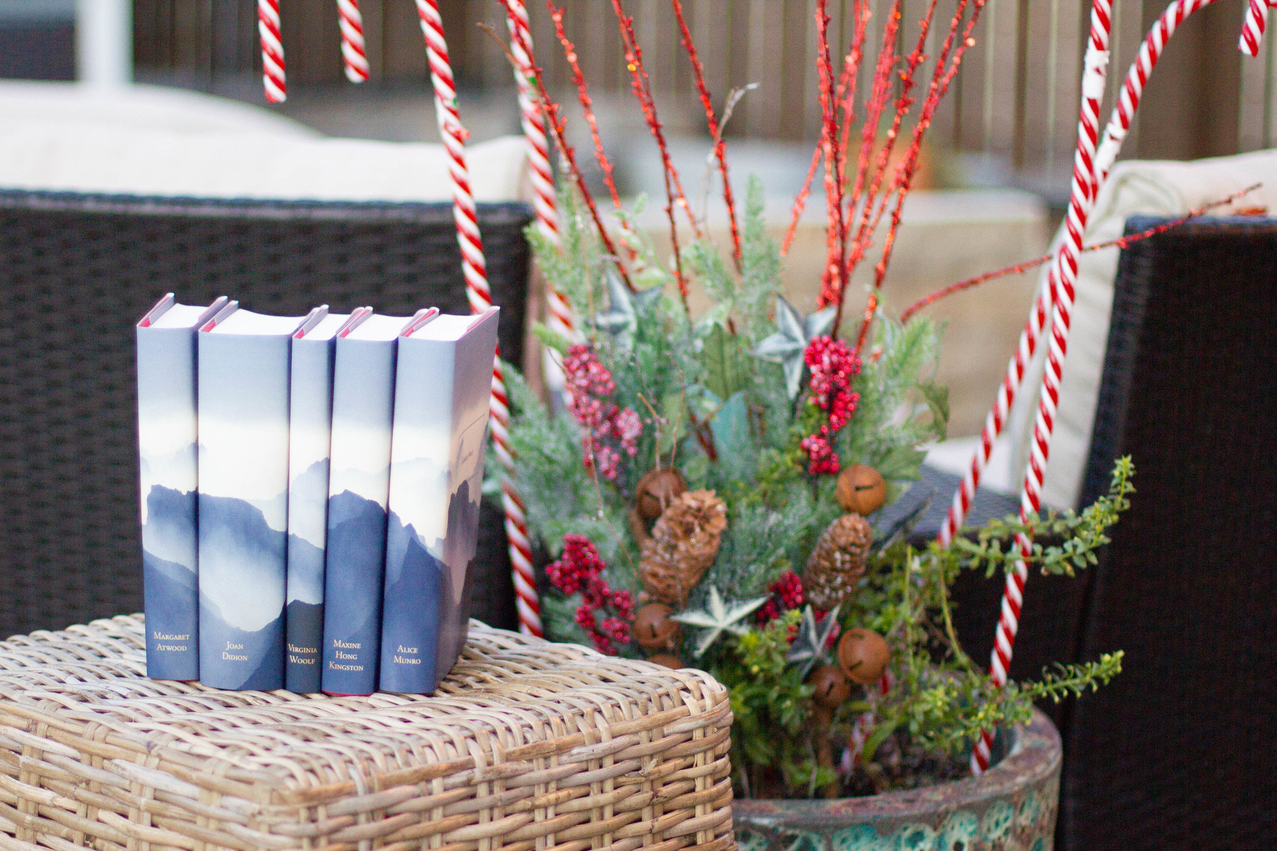 5 Gifts for Book Lovers   A set from Juniper Books