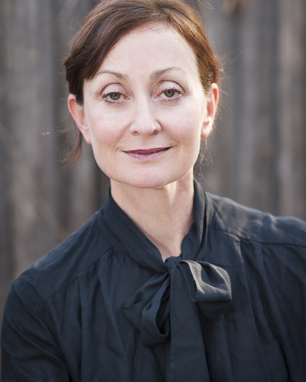 Caroline Lee: Audiobook Narrator