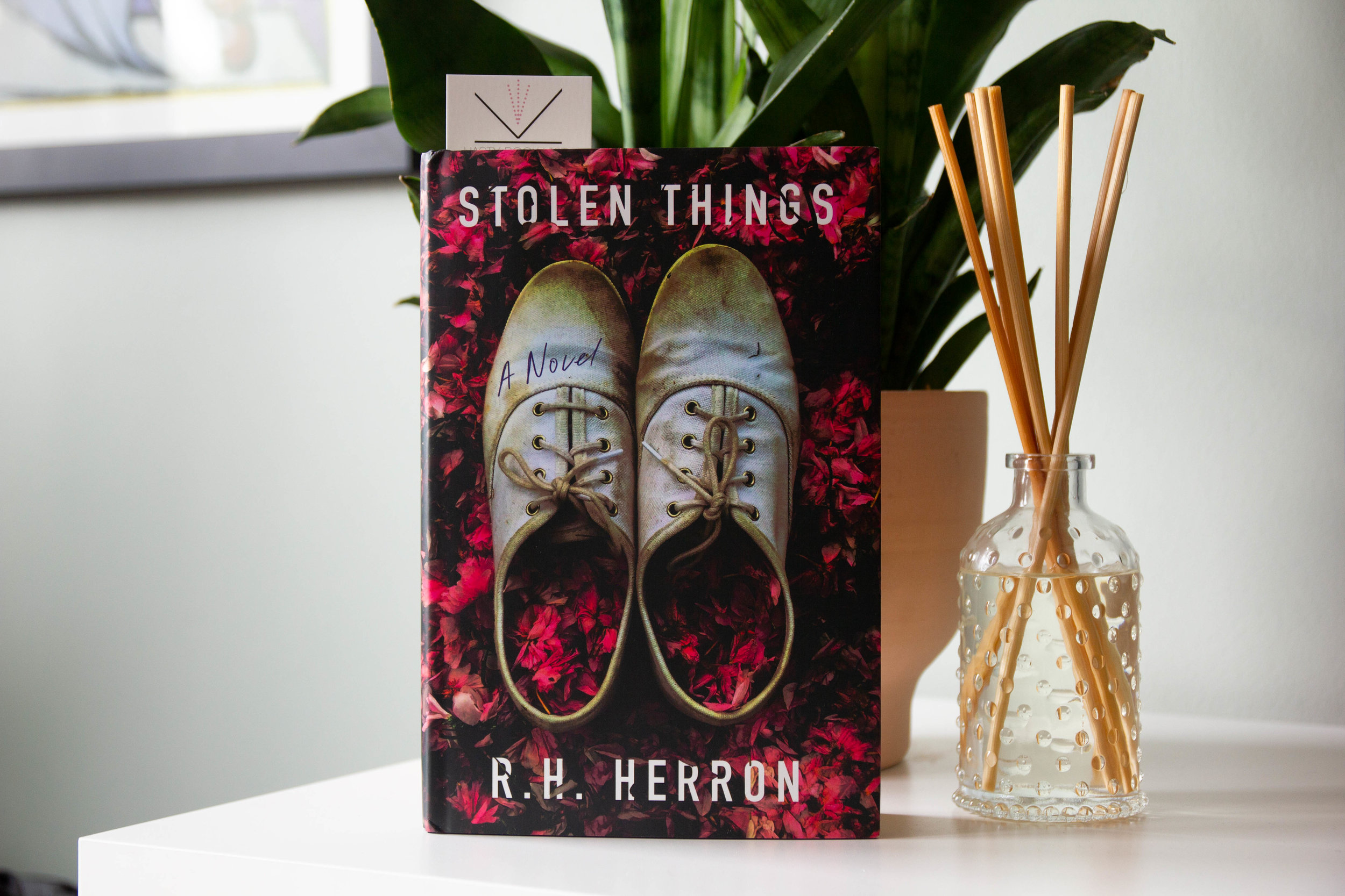 Stolen Things by R.H. Herron - When a 911 dispatcher picks up an emergency call to hear her daughter on the line, her worst nightmare becomes reality.