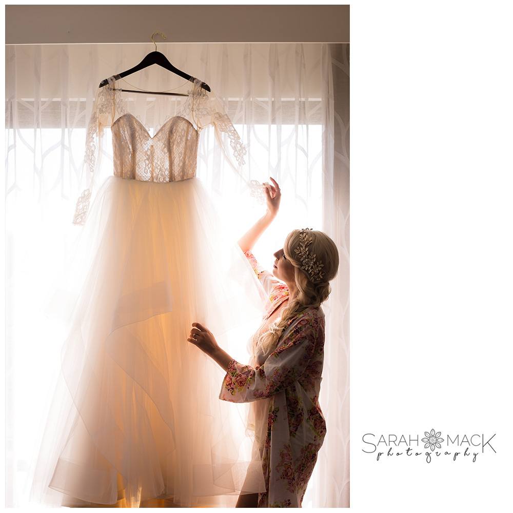 09-Avenue-of-the-Arts-Costa-Mesa-Wedding-Photography.jpg