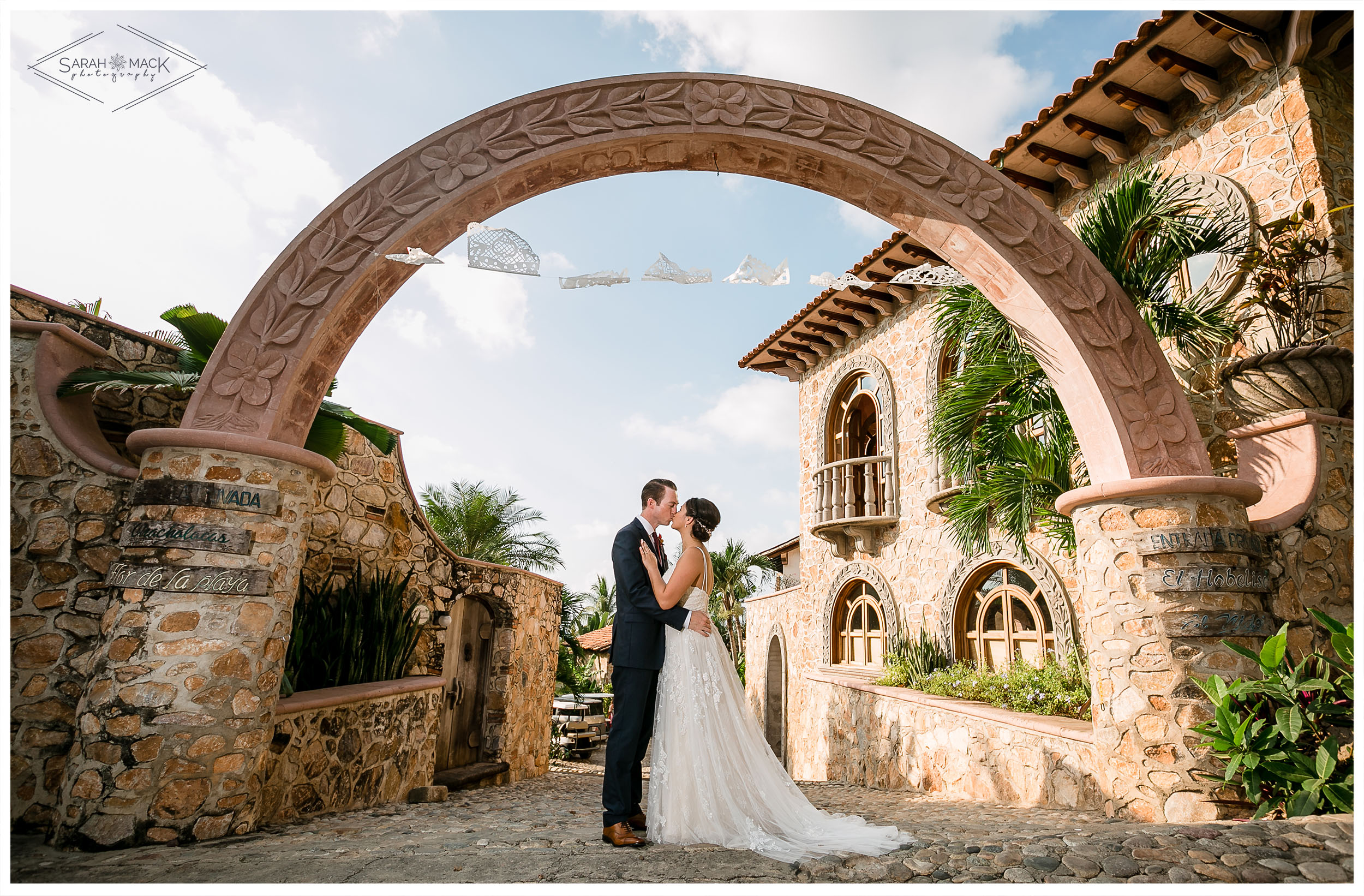 ES-Flor-de-Playa-Sayulita-Wedding-Photography-29.jpg
