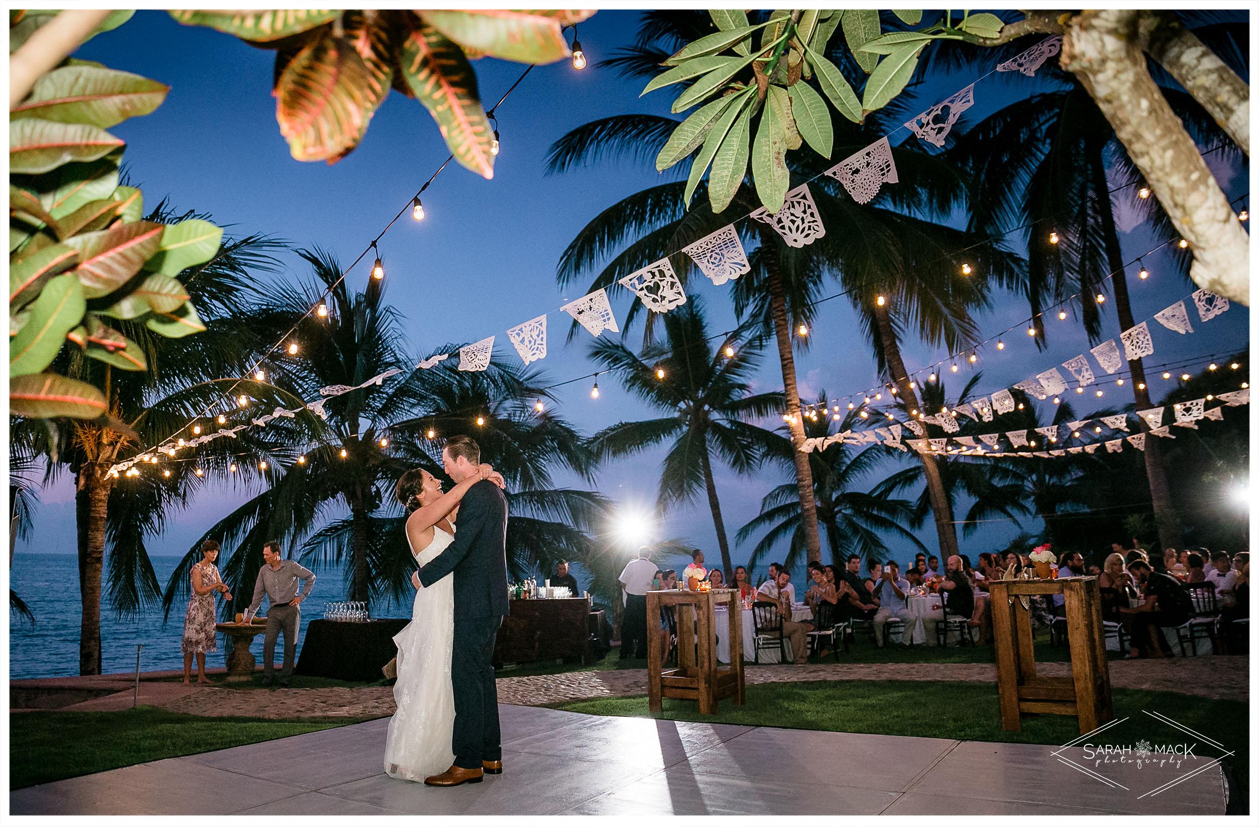 ES-Flor-de-Playa-Sayulita-Wedding-Photography-54.jpg