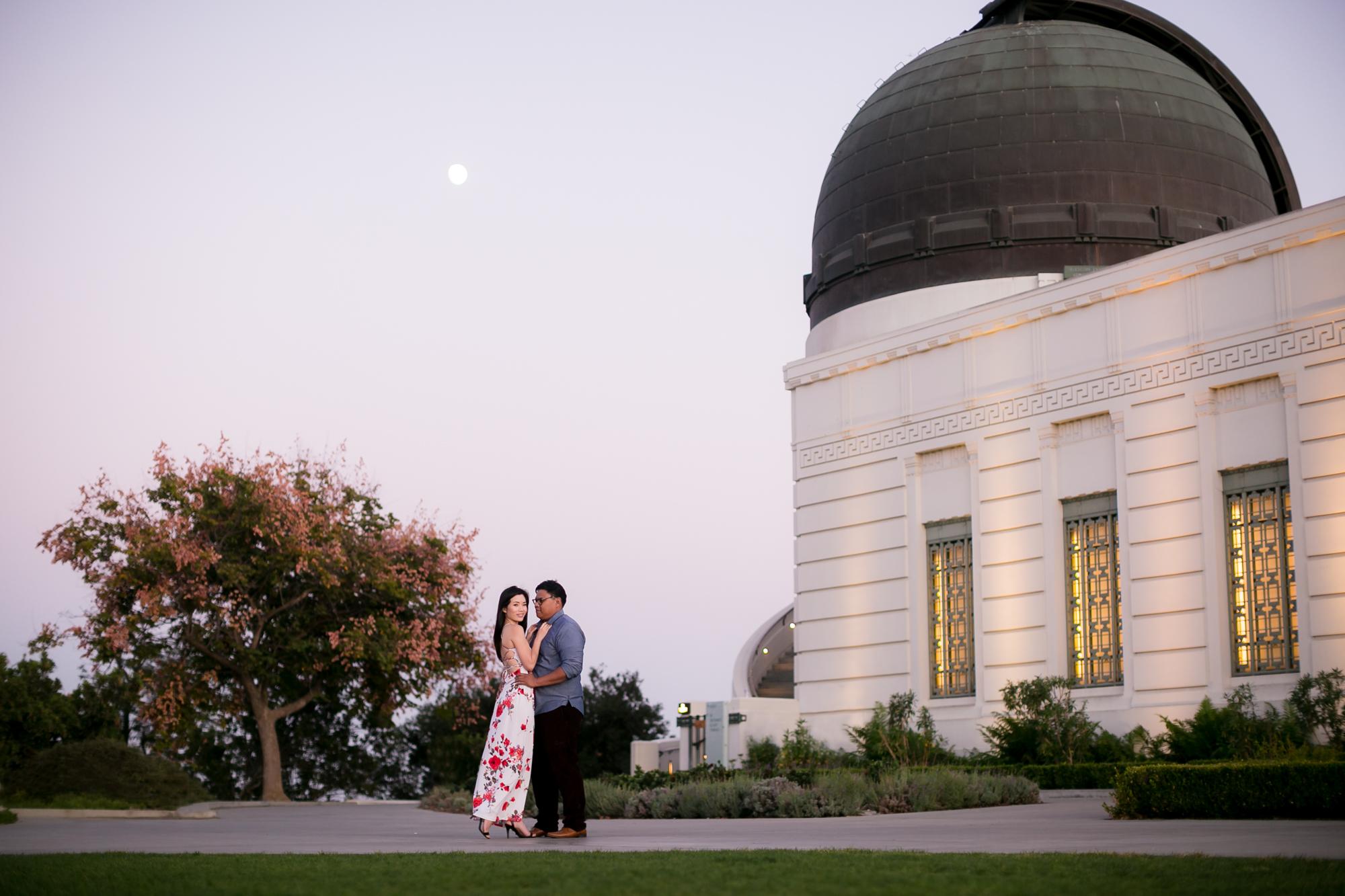 CM-Pasadena_City-Hall-Engagement-Photography-0009.jpg