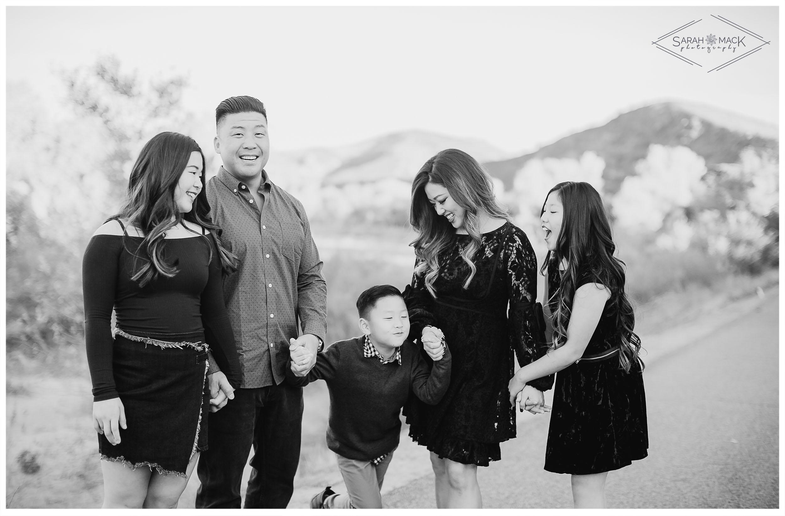 C-Irvine-Regional-Park-Family-Photography-8.jpg