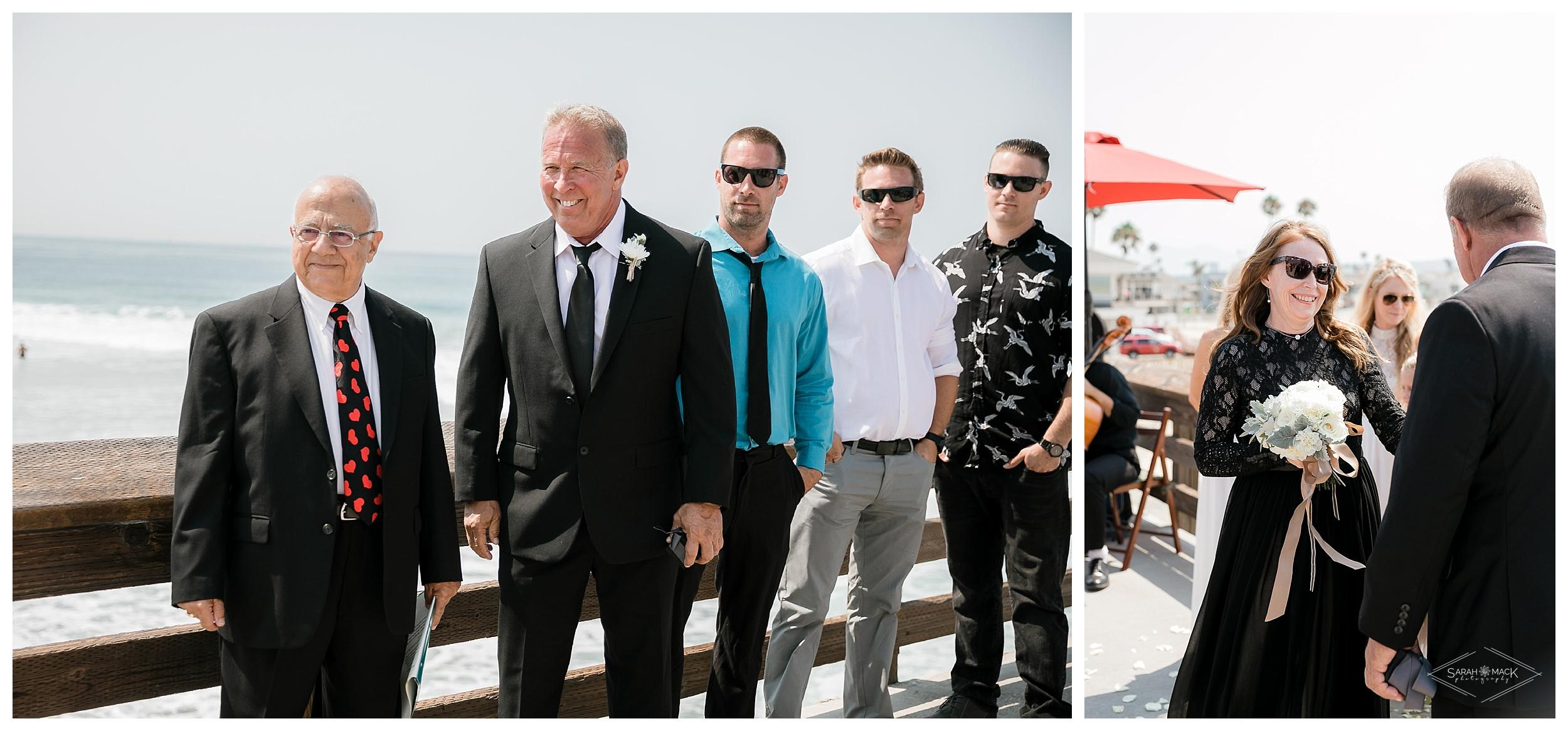 LM-Newport-Beach-Pier-Intimate-Wedding-Photography 67.jpg