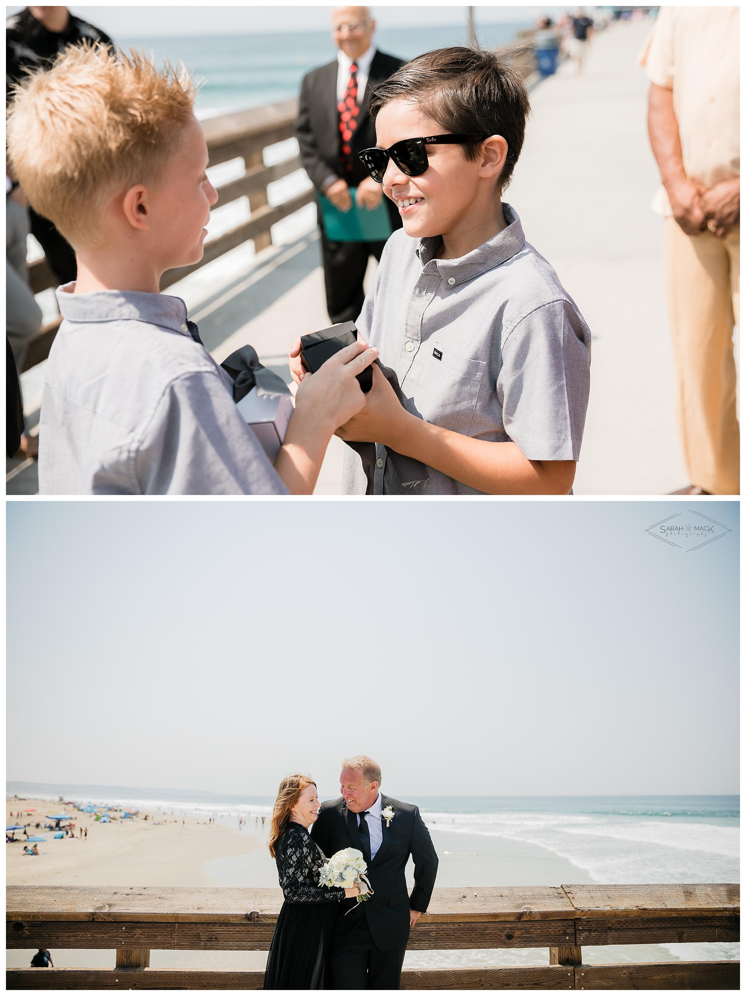 LM-Newport-Beach-Pier-Intimate-Wedding-Photography 110.jpg