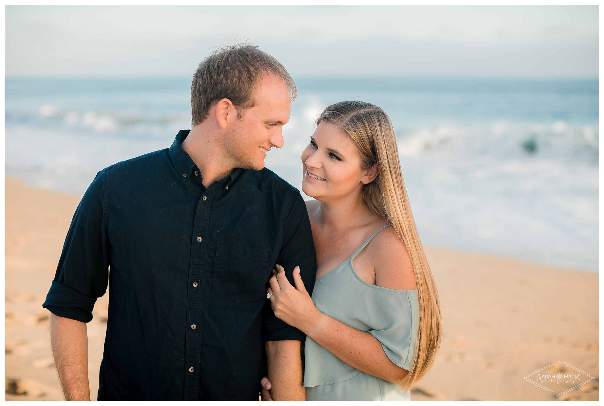 HI_Balboa_Island_Newport-Beach-Engagement-Photography-025.jpg