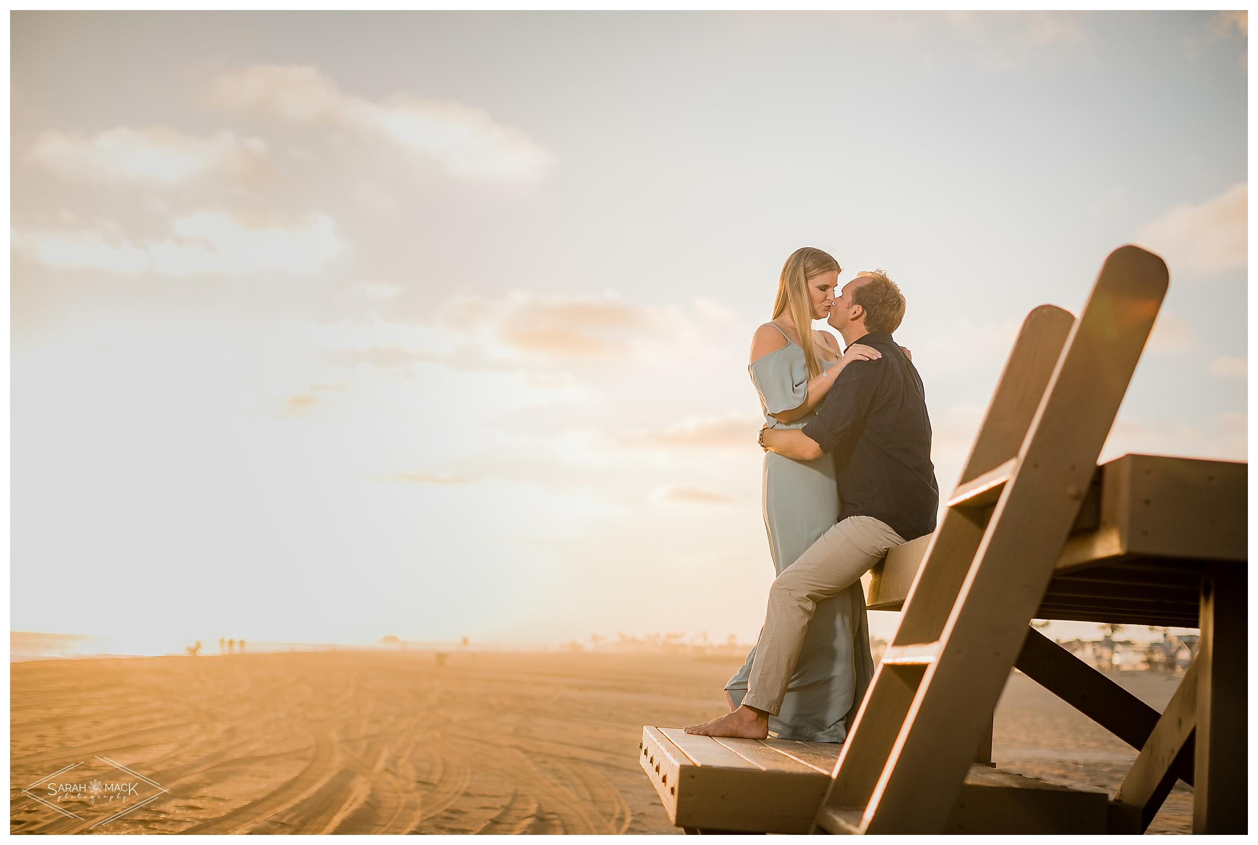 HI_Balboa_Island_Newport-Beach-Engagement-Photography-028.jpg