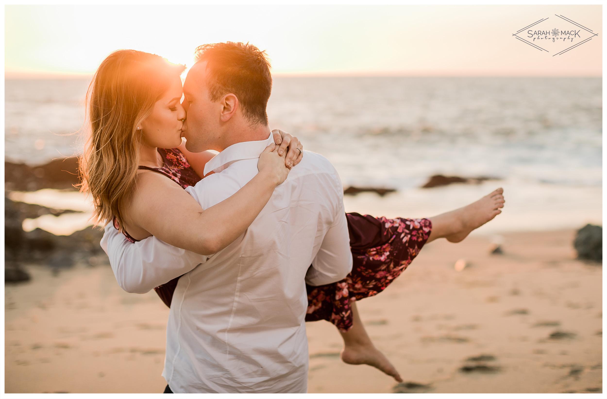 LN-Table-Rock-Beach-Laguna-Engagement-Photography-16.jpg