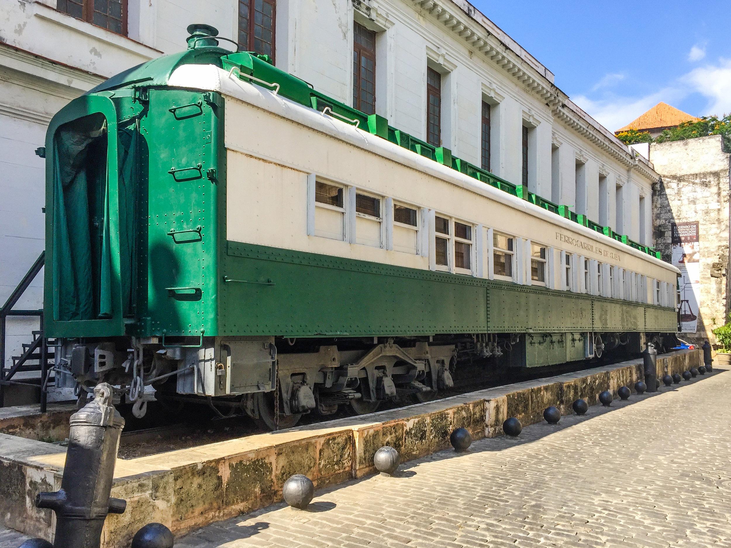 A random green train car we found in Havana