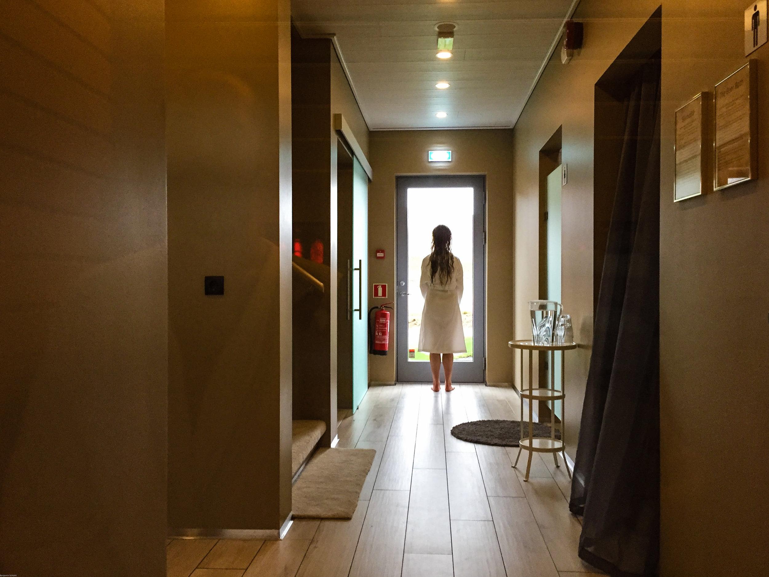 Mrs. Nerd's sister exploring the hallway at Bjórböðin