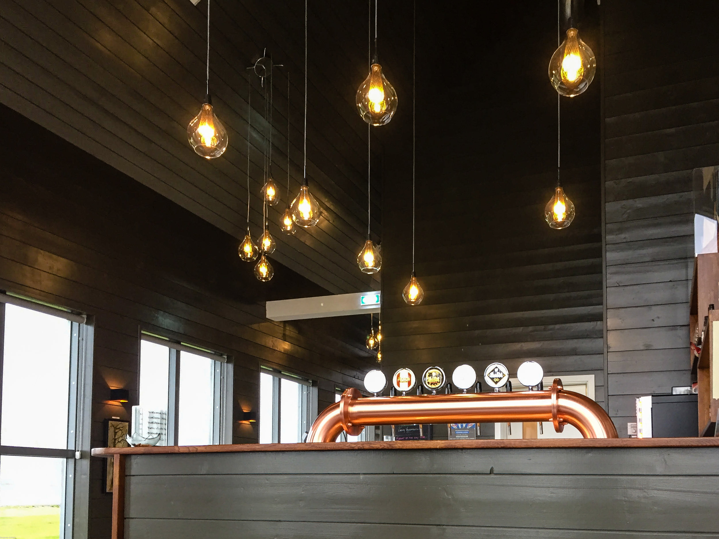 Tap room decor – we loved the minimalistic feel here