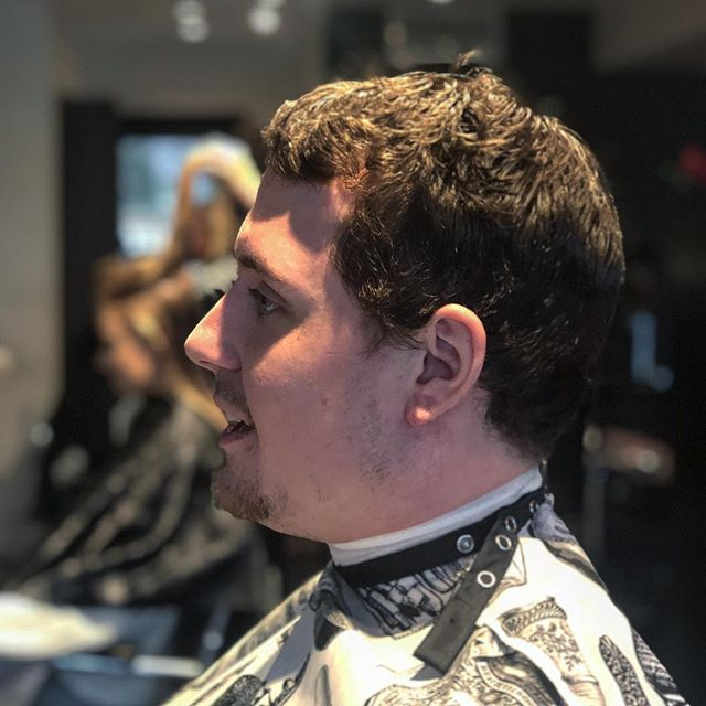 Are you ready transform your look? Swipe to see this fresh fade by John! #freshcut #fadehaircut #menshaircuts #menshair #newlook