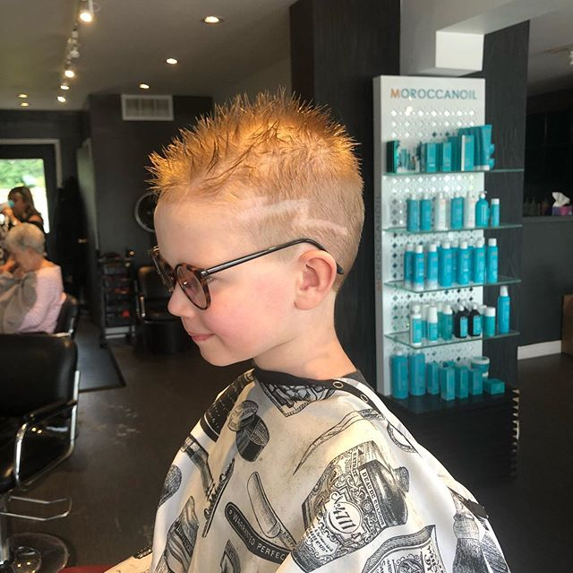 Happy boy☺️kids cut by John!