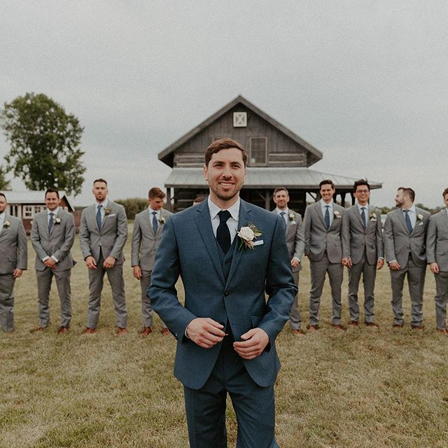 Jake looking great in his custom suit! #custom #chicagosuiting #chicagoweddings #customchicago