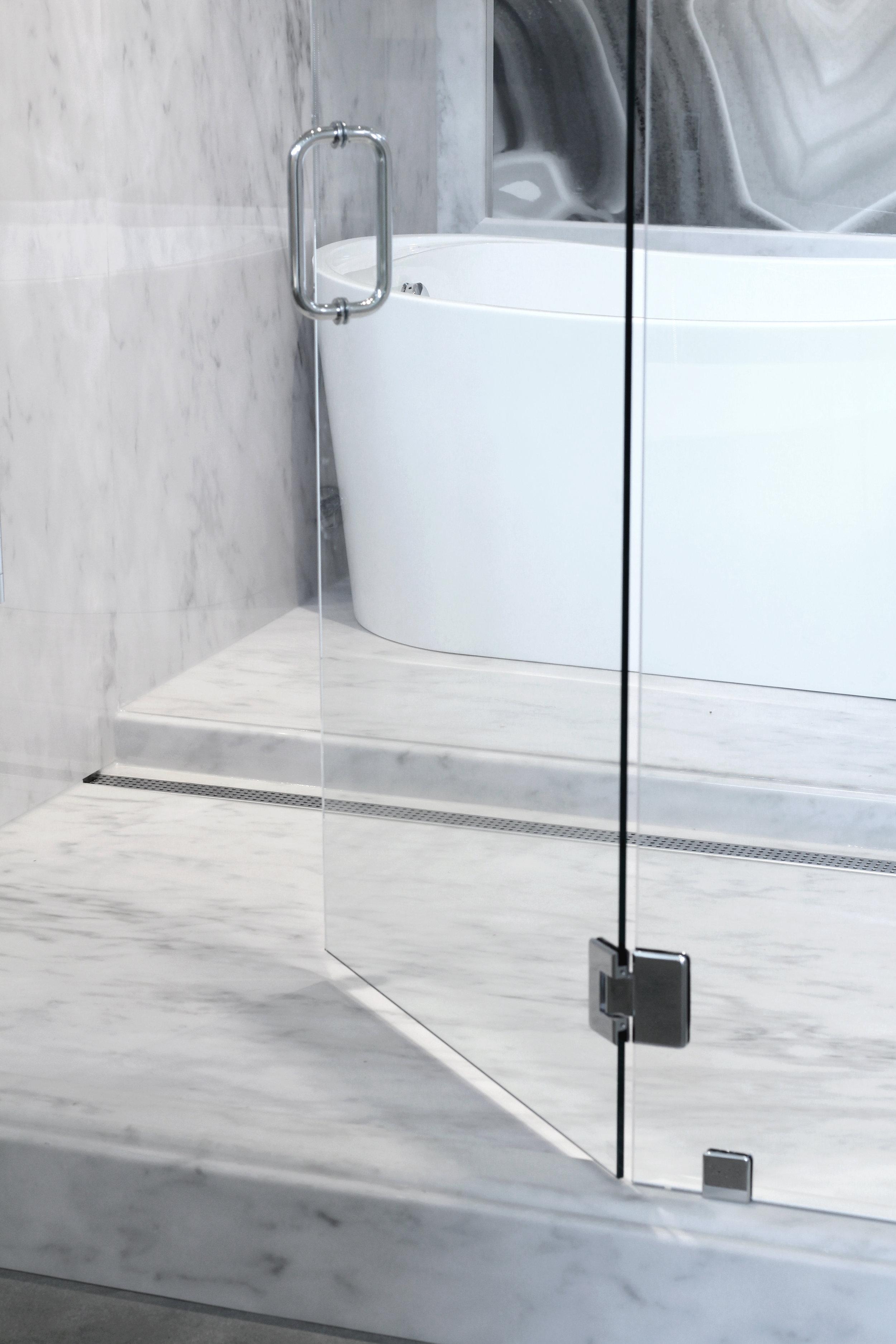 Stat Gray, Agata Nero_Shower V-2.jpg