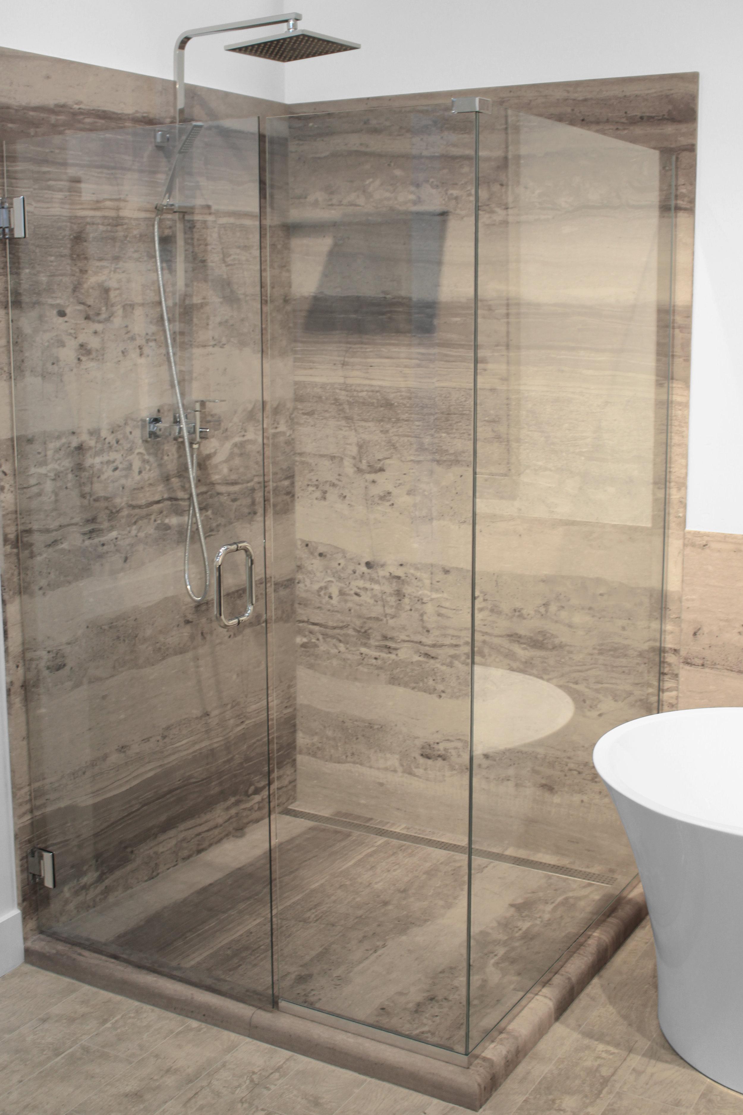 Stratus Brown Shower Combo V.jpg