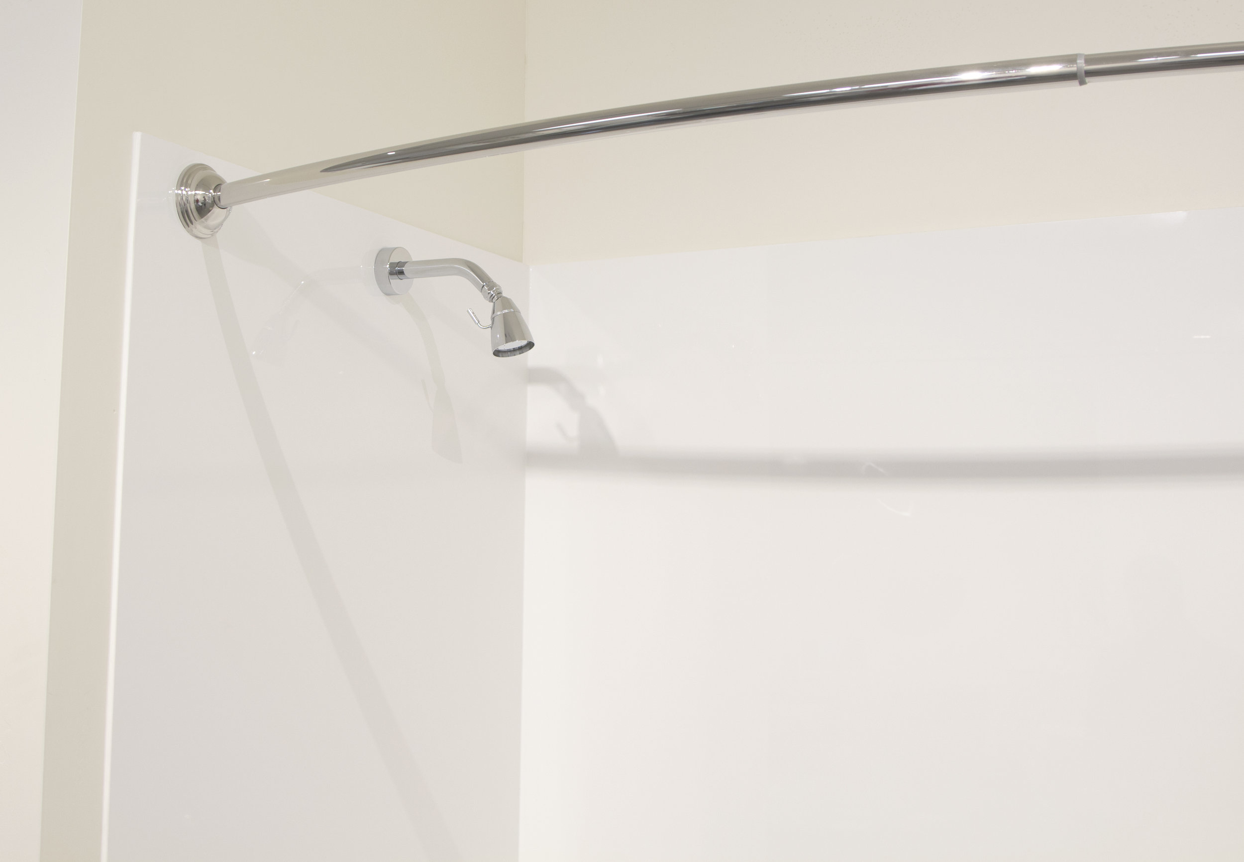 Solid White Tub Surround_H.jpg